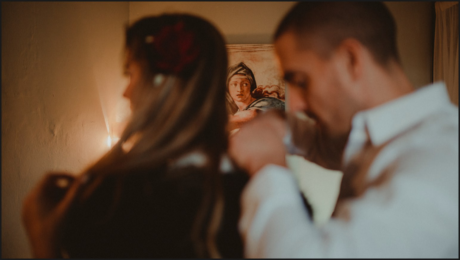 bride, groom, paint, hotel room, preparation, elopement, Hotel Torre Guelfa