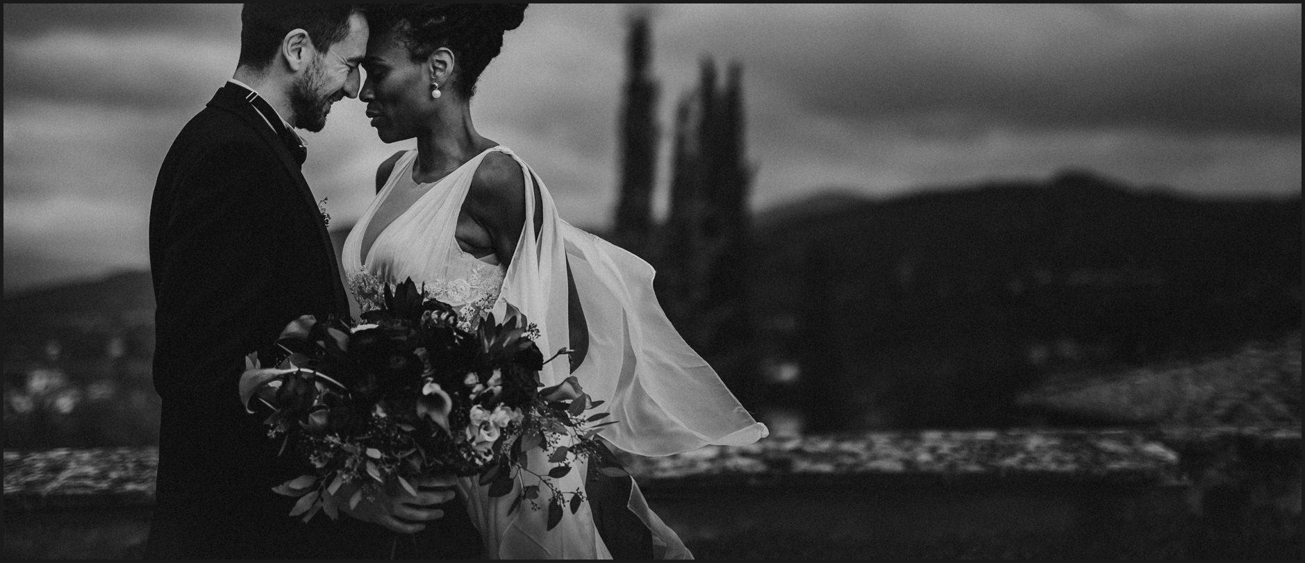 bride, groom, villa medicea di lilliano, wedding, tuscany, portrait, intimate, black and white