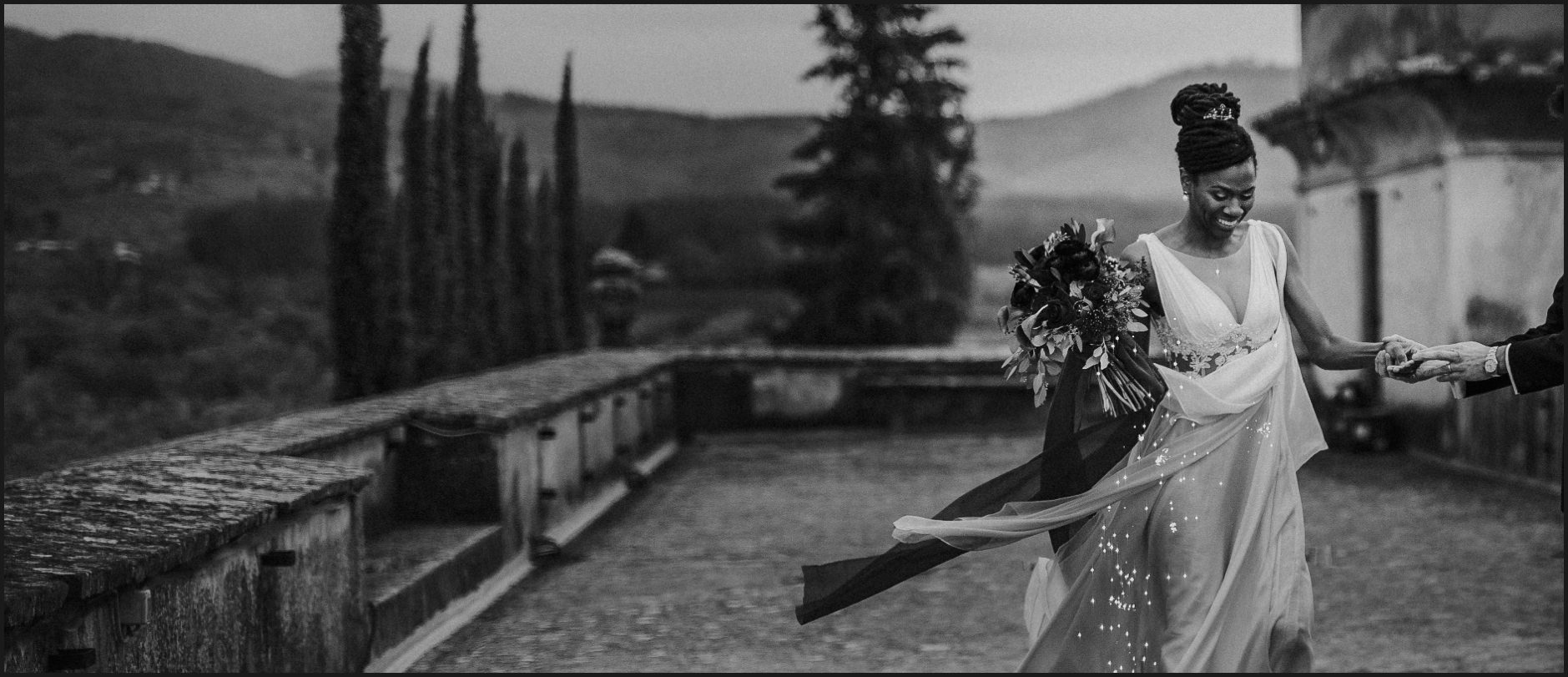 bride, black and white, wedding, villa medicea di lilliano, wind