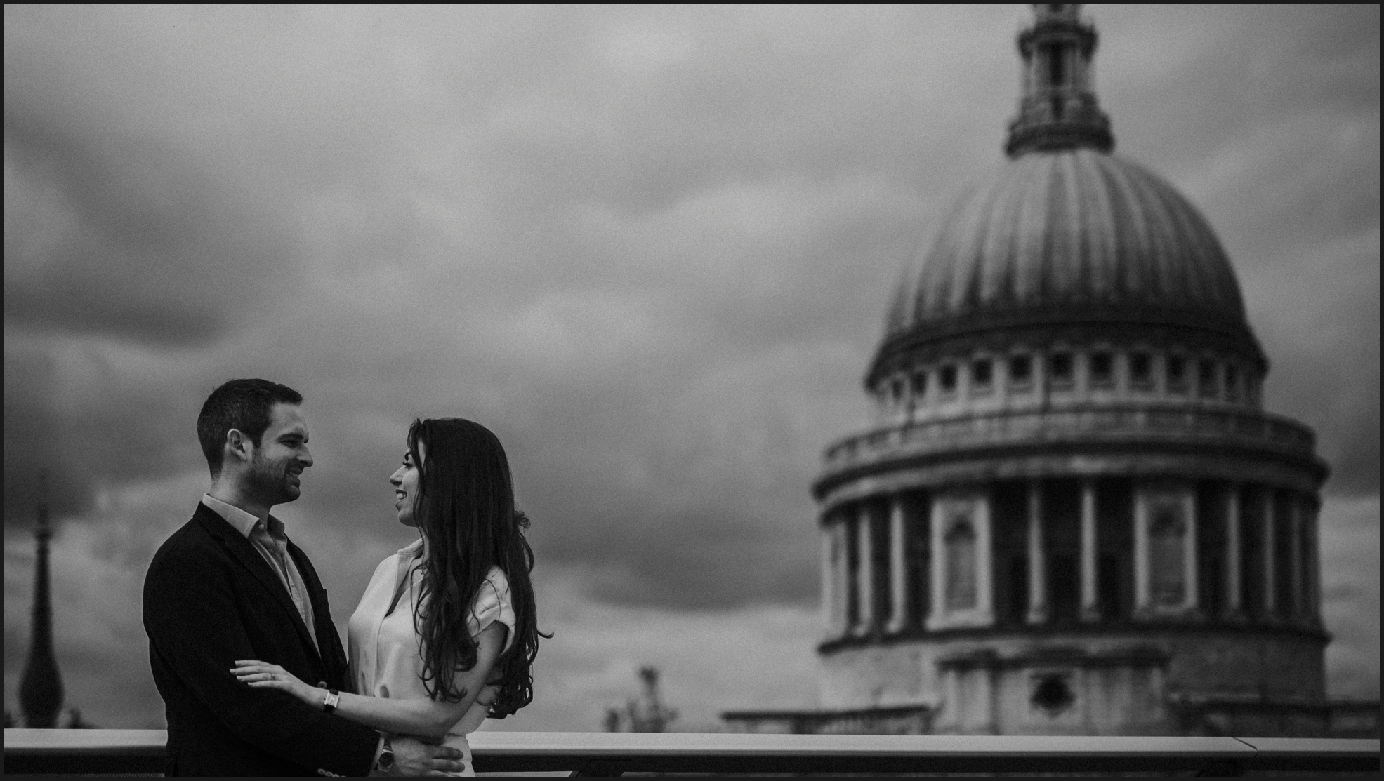 black and white, london, engagement photosession