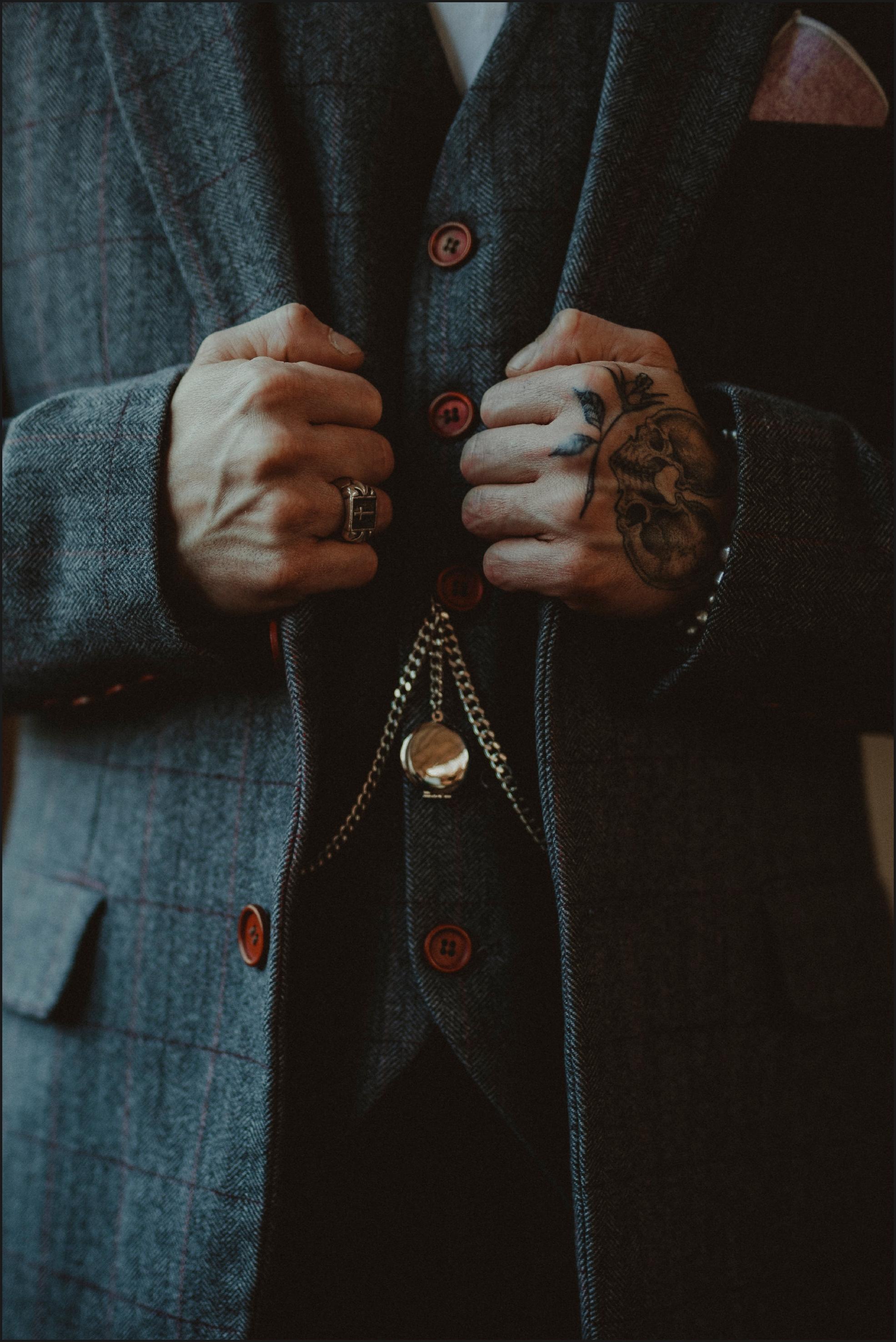 groom, details, suit, steampunk, alternative wedding photographer, pocket watch