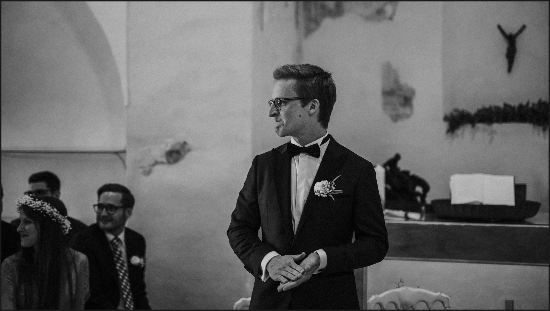 first look, groom, ceremony, wedding, umbria, black and white,