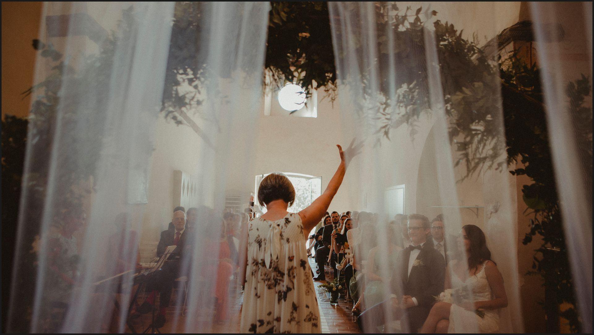 wedding, symbolic ceremony, wedding, umbria, nikis resort, veil