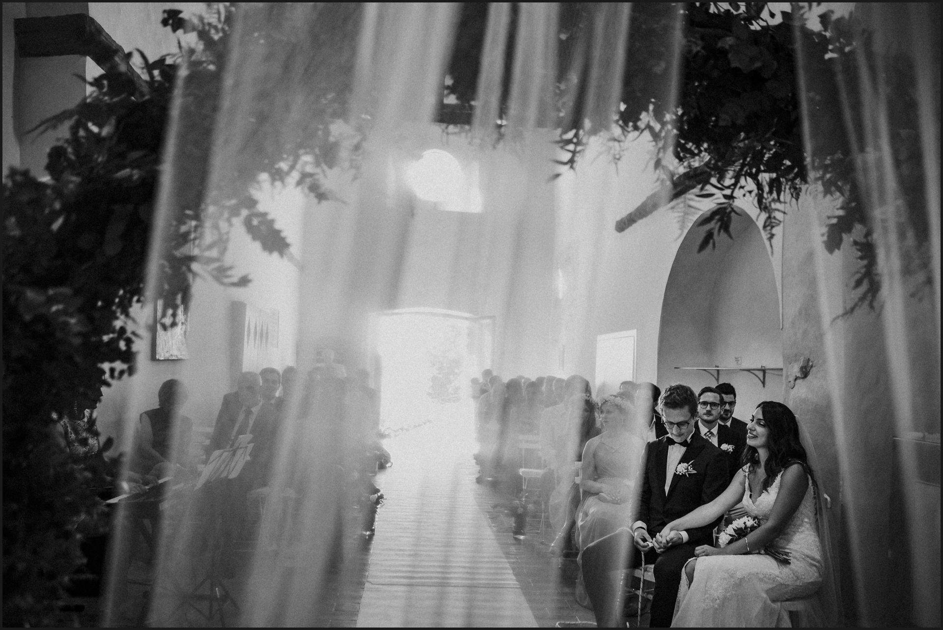 wedding, symbolic ceremony, wedding, umbria, nikis resort, black and white, veil