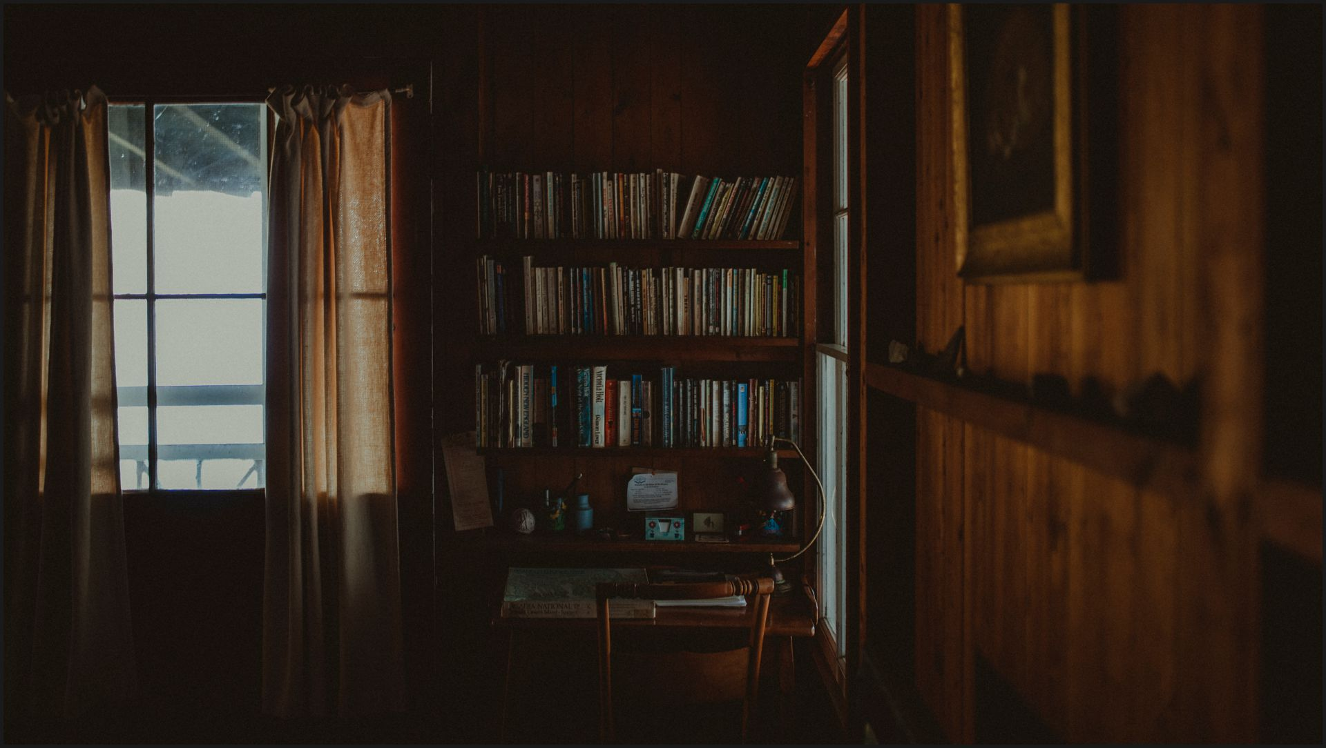 maine, cottage, acadia national park, bar harbor, library, books, living room