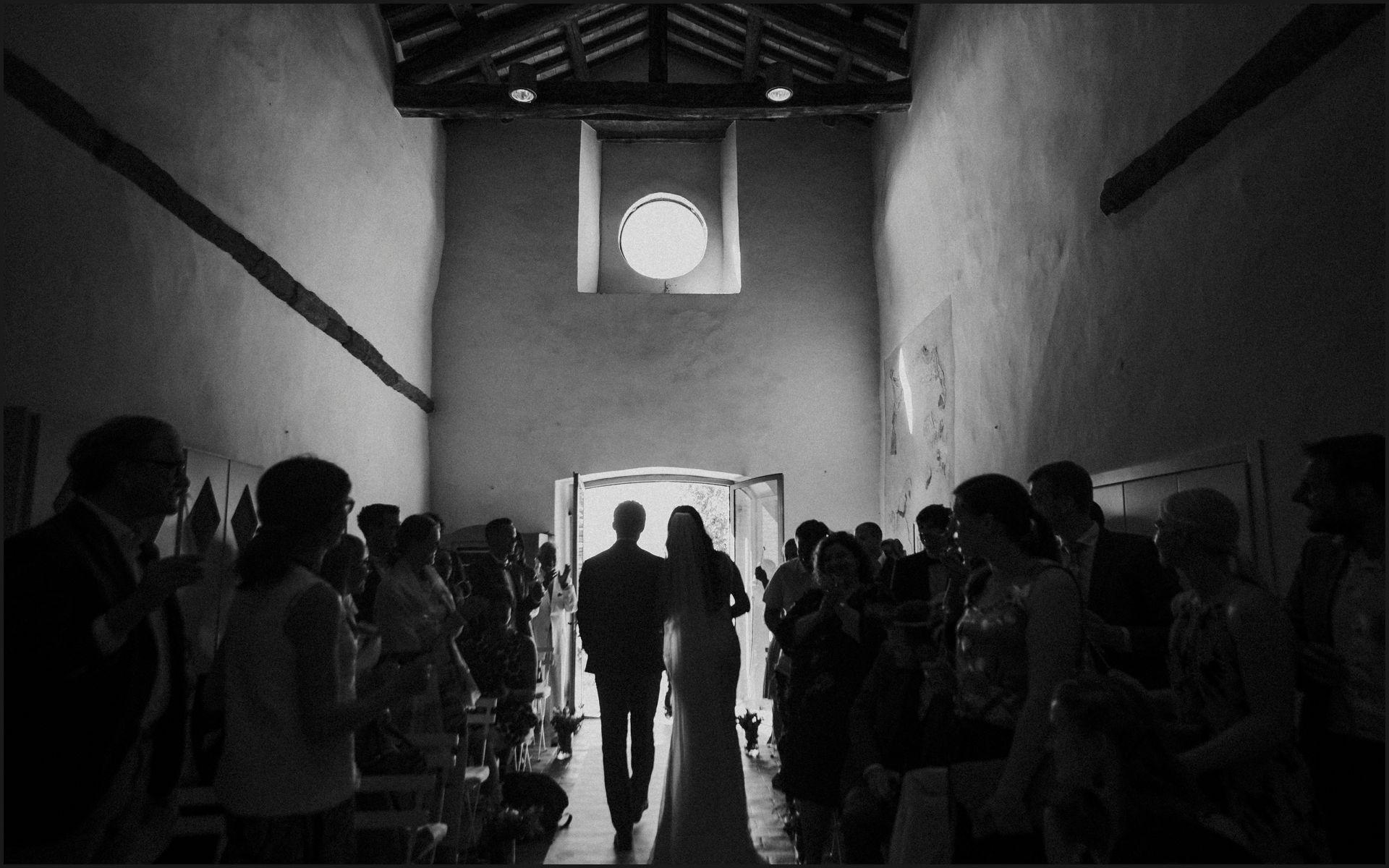 wedding, symbolic ceremony, wedding, umbria, nikis resort, black and white,