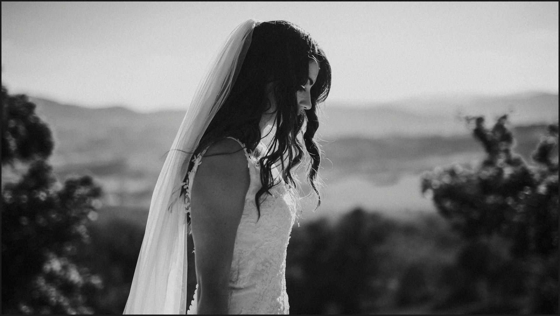 black and white, wedding, umbria, nikis resort, bride