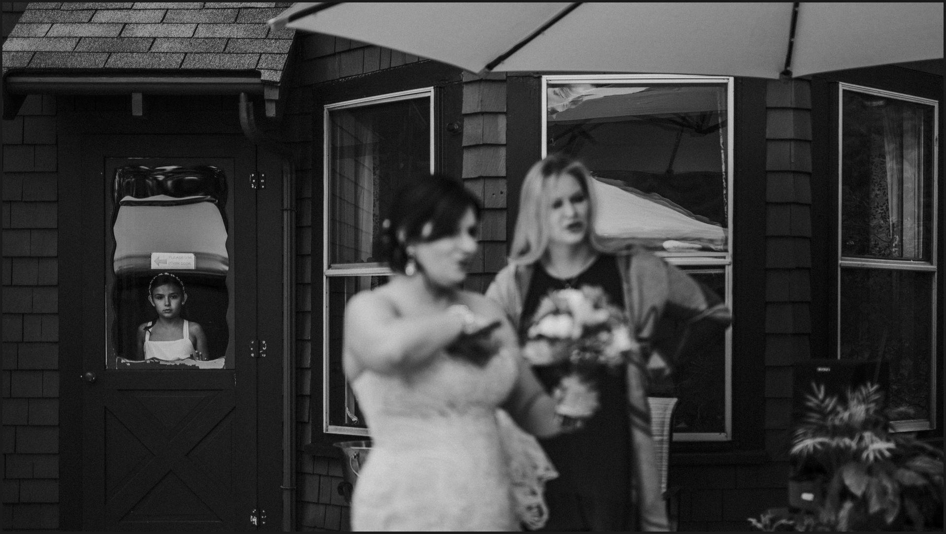 wedding, black and white, bride, wedding guest, friend