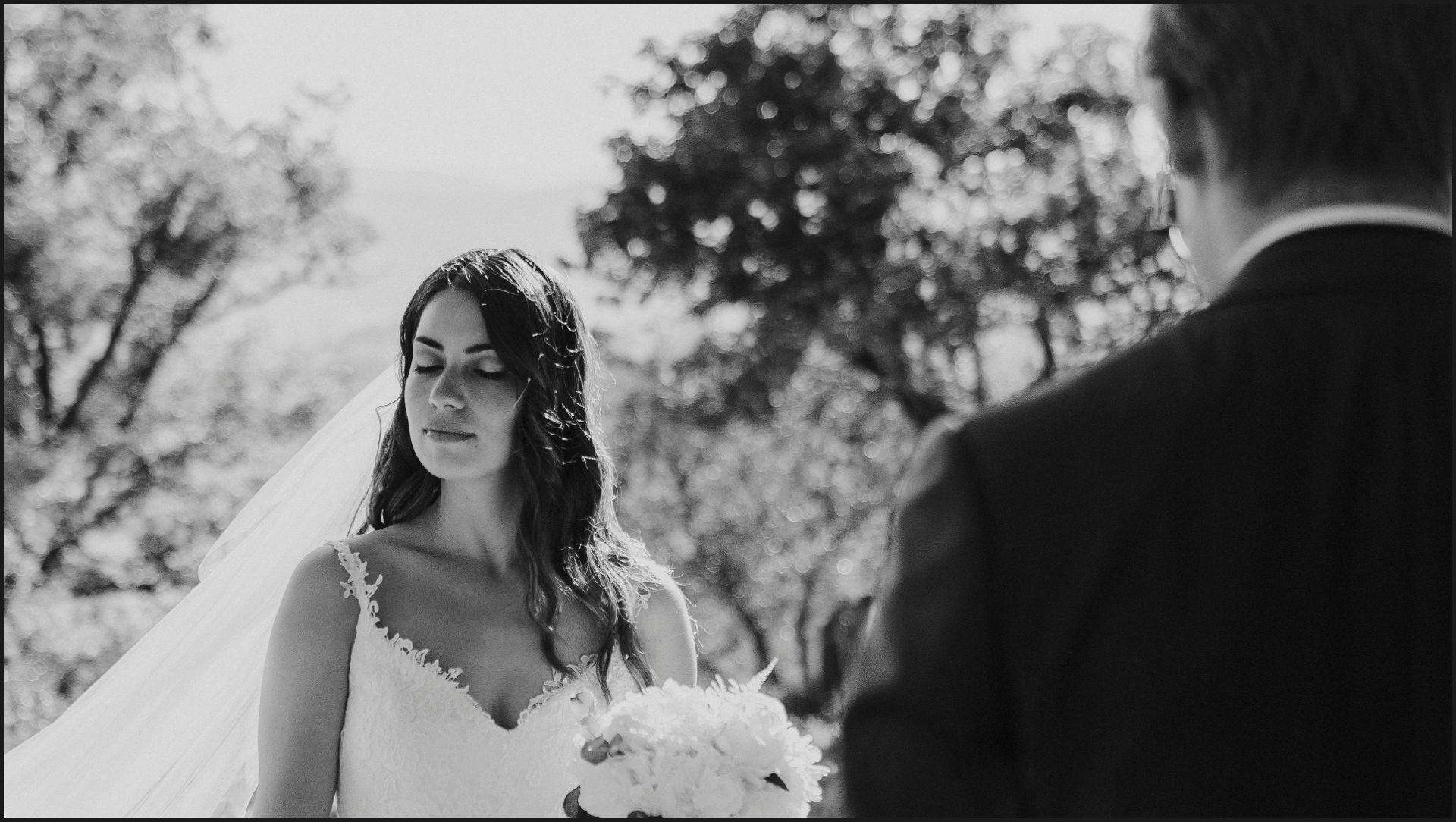 black and white, wedding, umbria, nikis resort, bride, groom, veil, sun