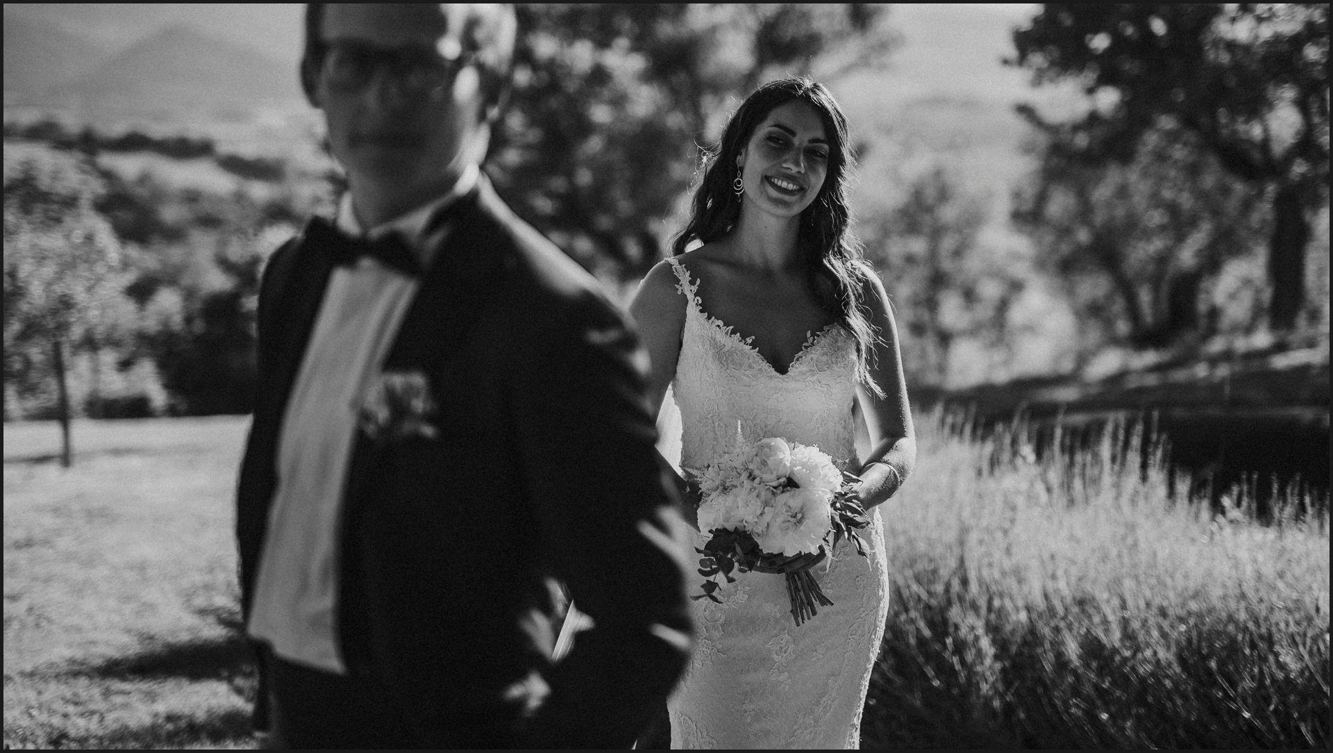 black and white, wedding, umbria, nikis resort, bride, groom, flowers