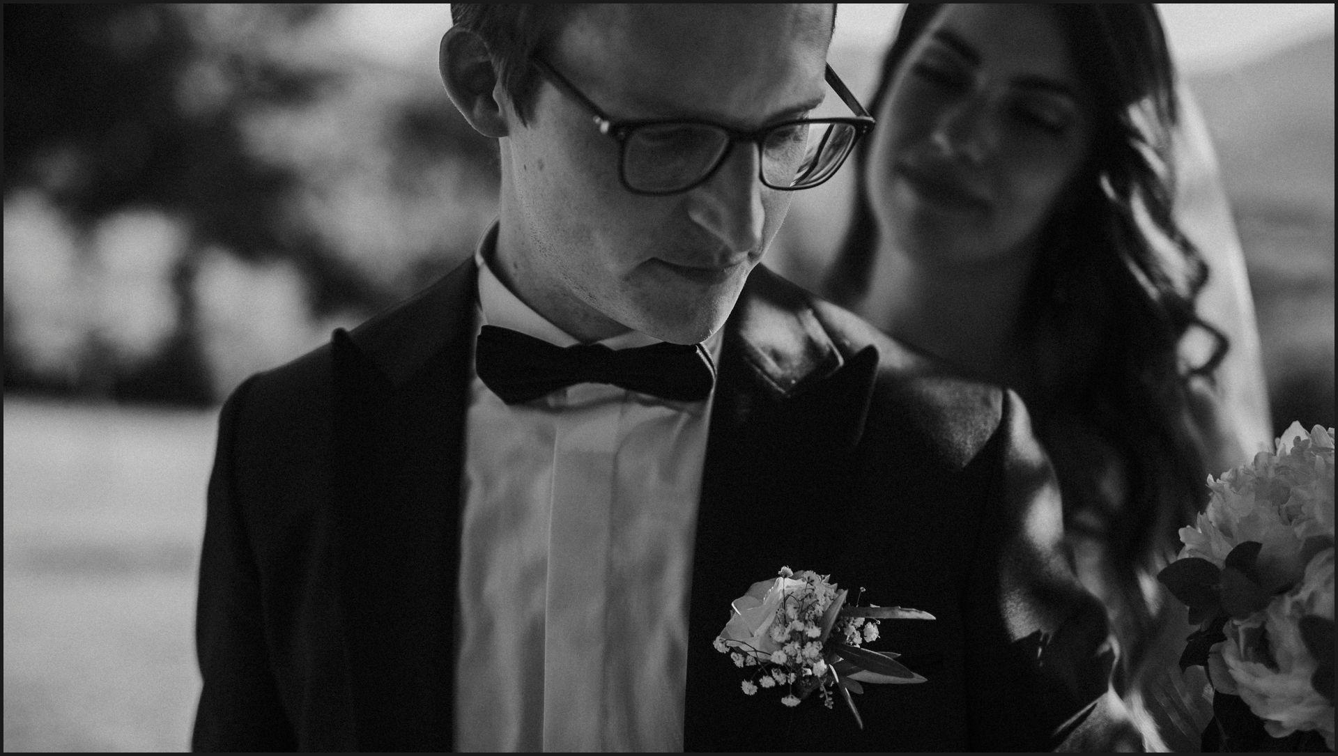 black and white, wedding, umbria, nikis resort, bride, groom, drama