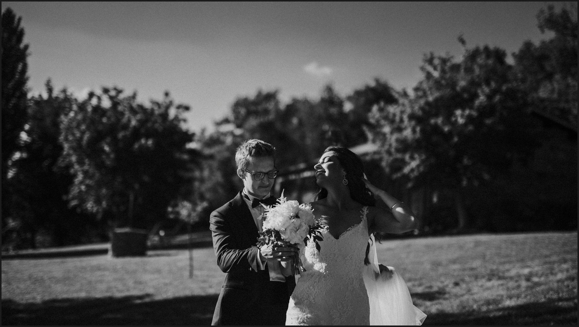 black and white, wedding, umbria, nikis resort, bride, groom, flowers, sun, veil