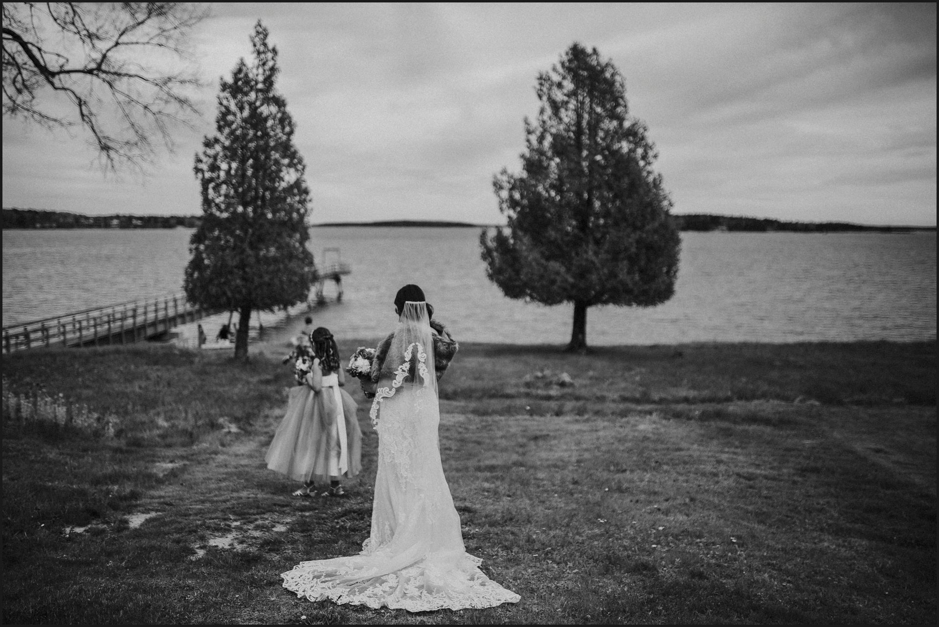 bride, wedding, ocean, bar harbour, southwest harbor, acadia national park, child, maid of honour, wedding gown, bride dress, balck and white