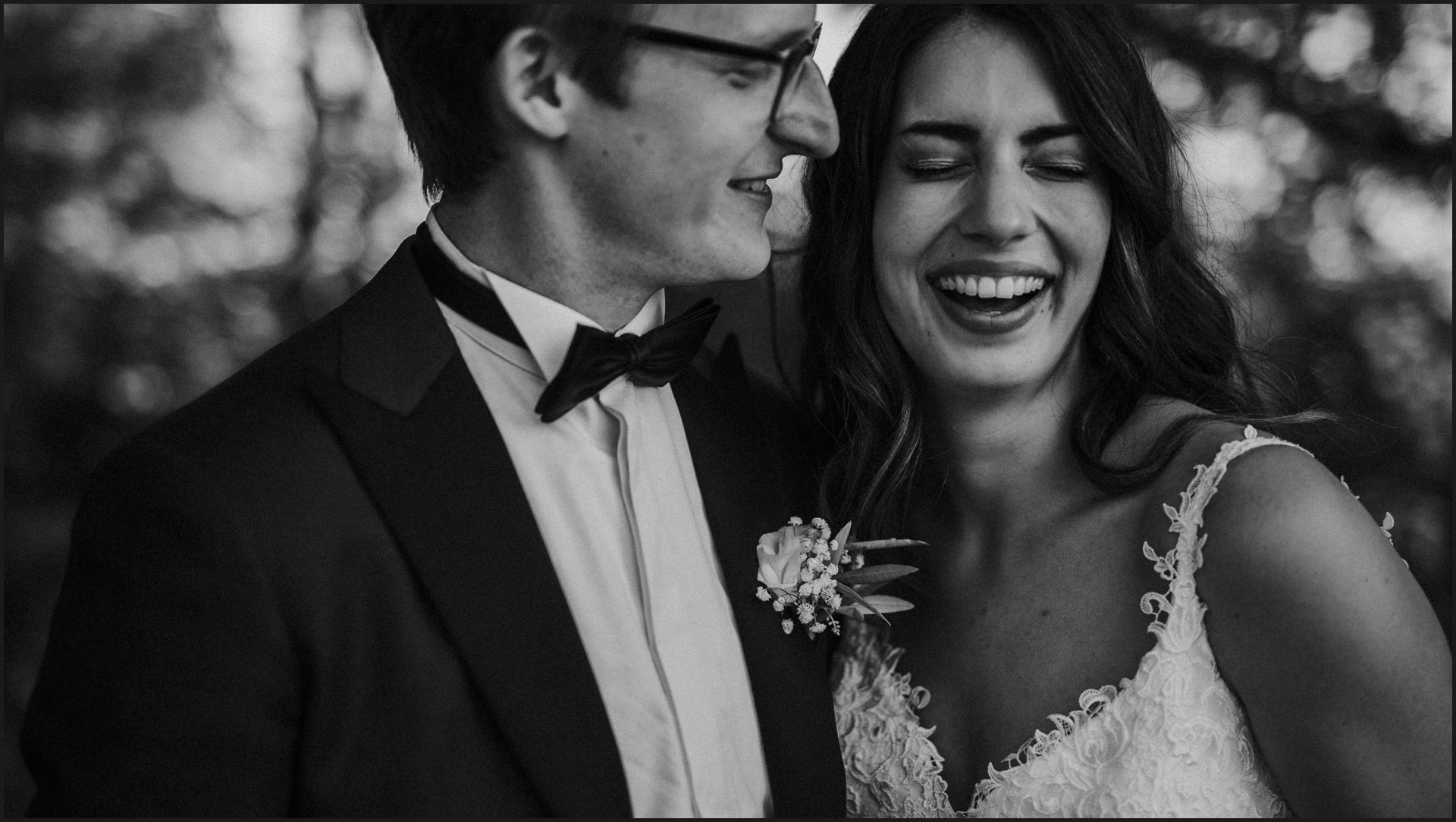 black and white, wedding, umbria, nikis resort, bride, groom, smile, candid, funny