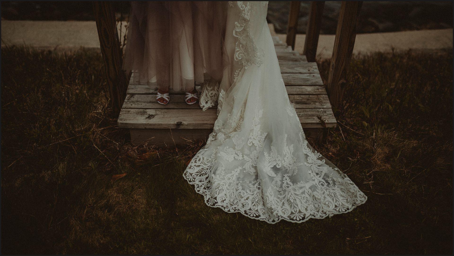 wedding details, feet, shoes, wedding details