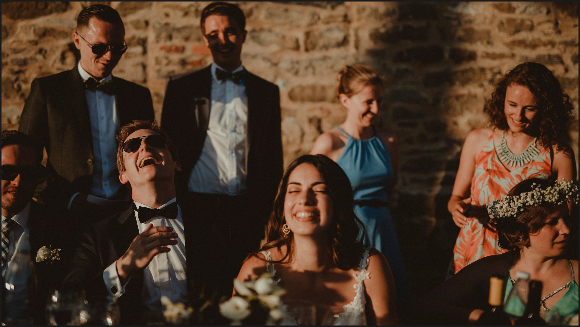 bride, groom, wedding, umbria, nikis resort, dinner, funny, smile