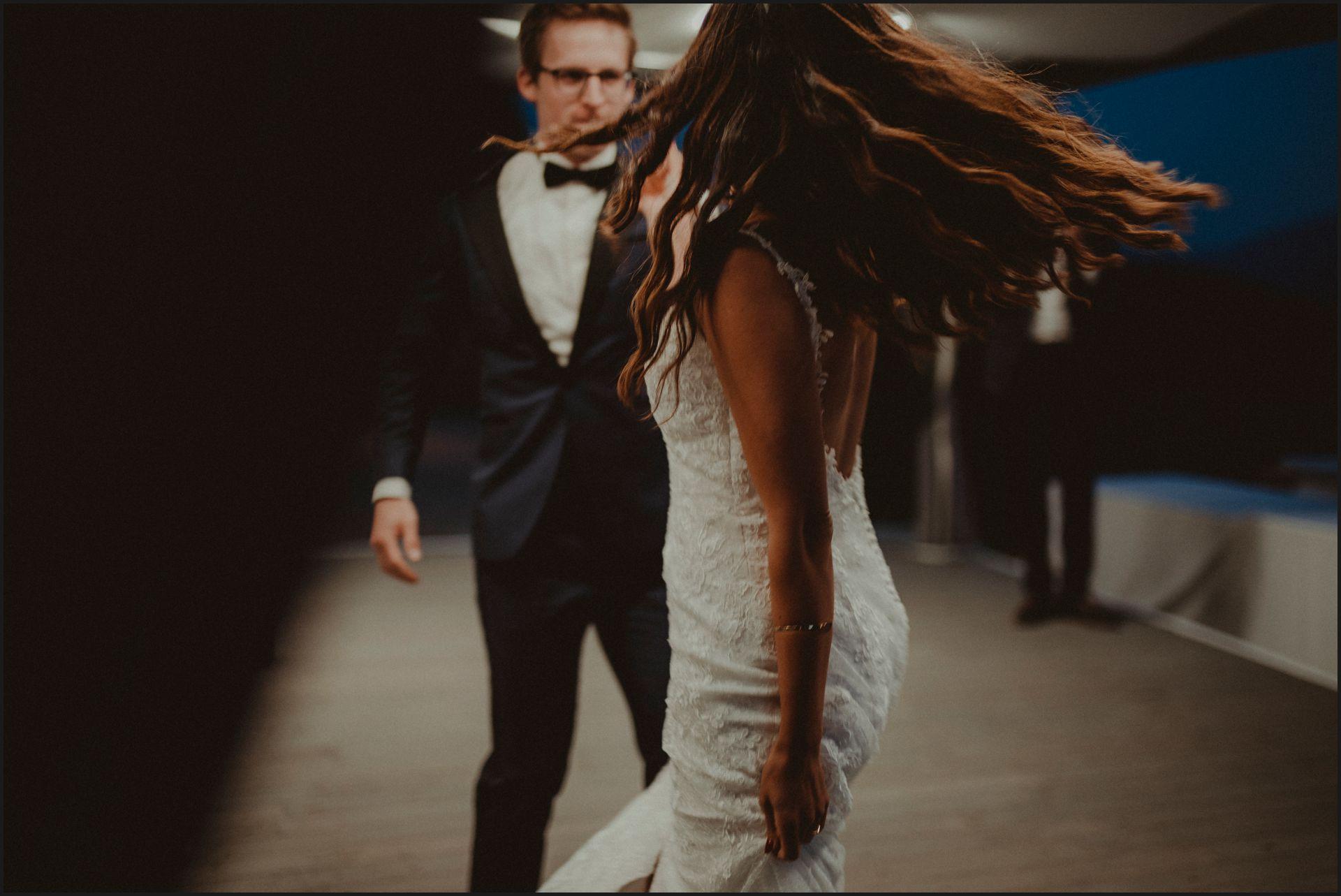 first dance, bride, groom, wedding, umbria, nikis resort, hair