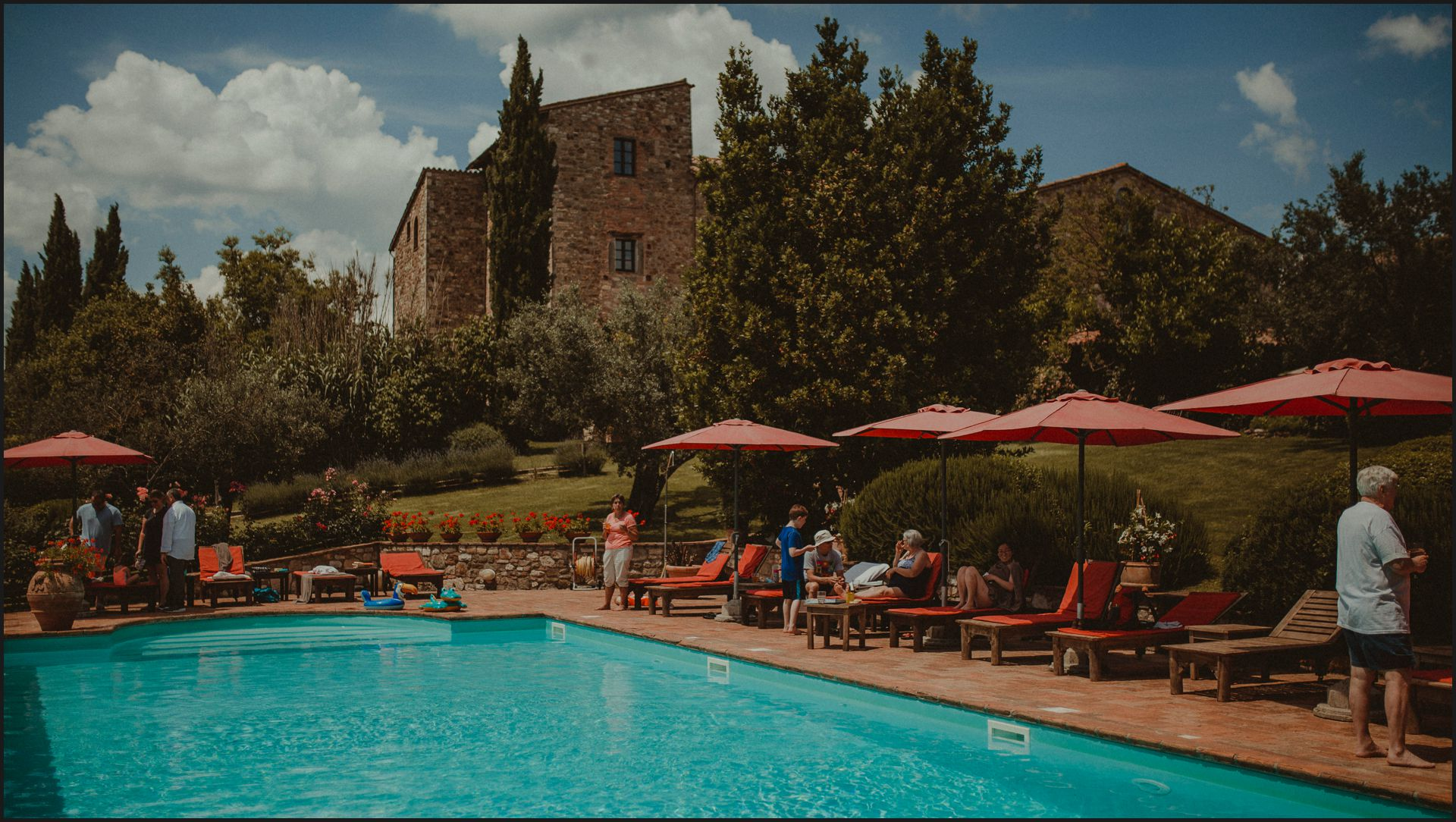 tenuta di canonica, umbria, wedding, pool