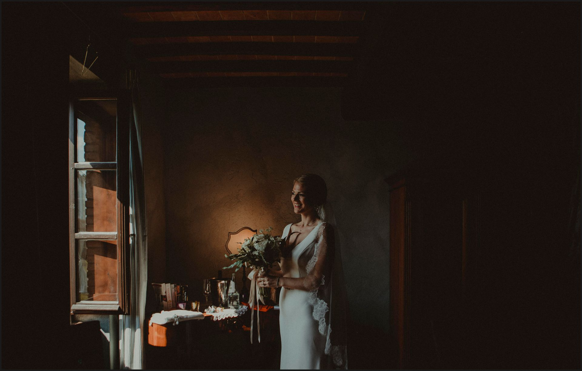 tenuta di canonica, umbria, wedding, bride, preparation, dress