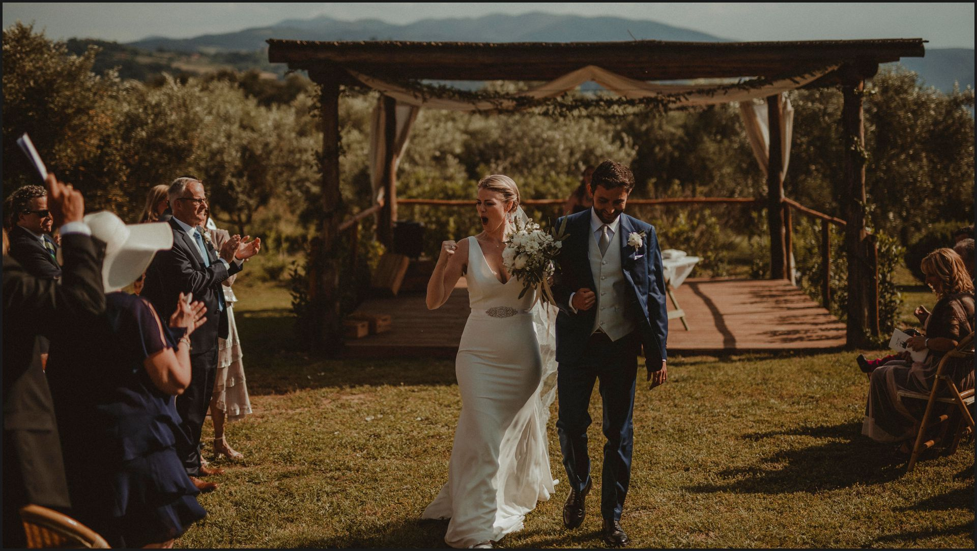 tenuta di canonica, umbria, wedding, ceremony, country, bride, groom, funny