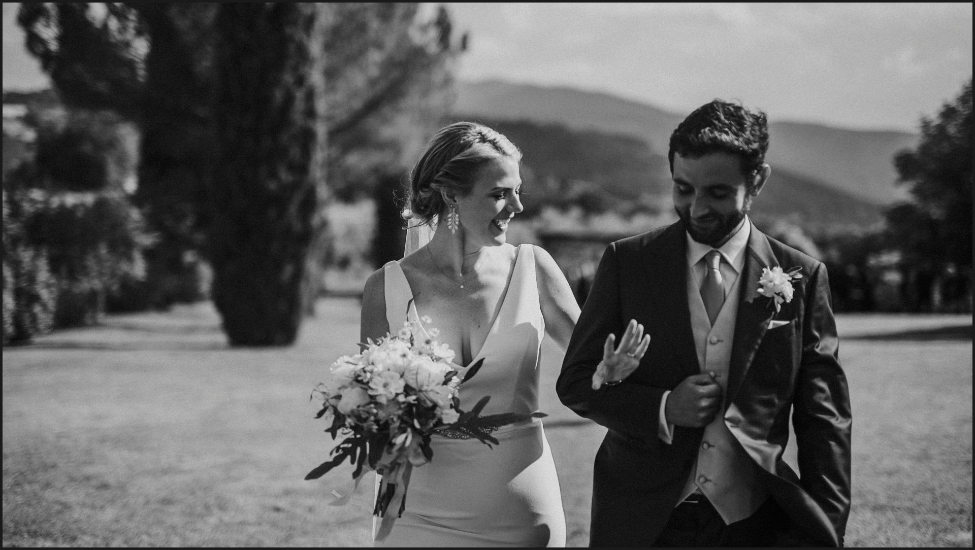 tenuta di canonica, umbria, wedding, ceremony, country, bride, groom, black and white
