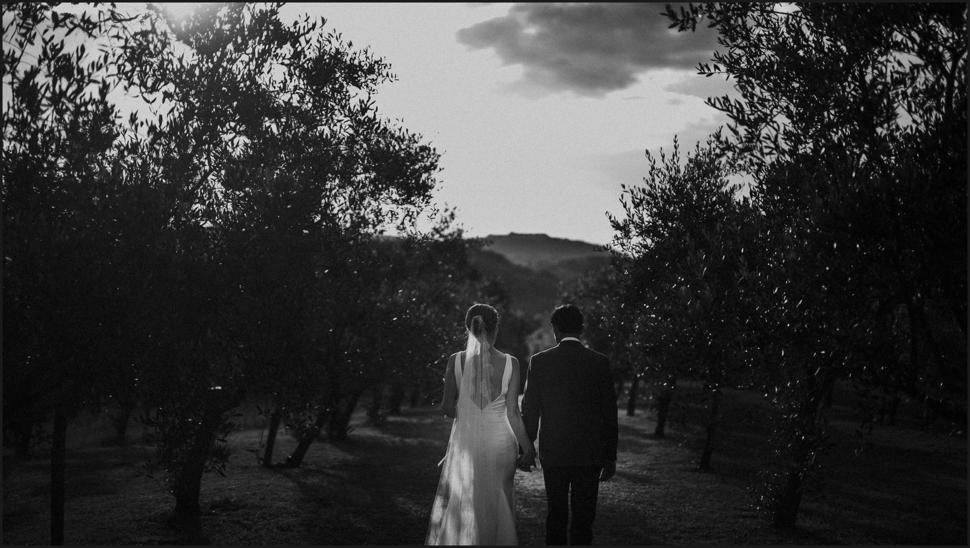tenuta di canonica, umbria, wedding, bride, groom, love, black and white,