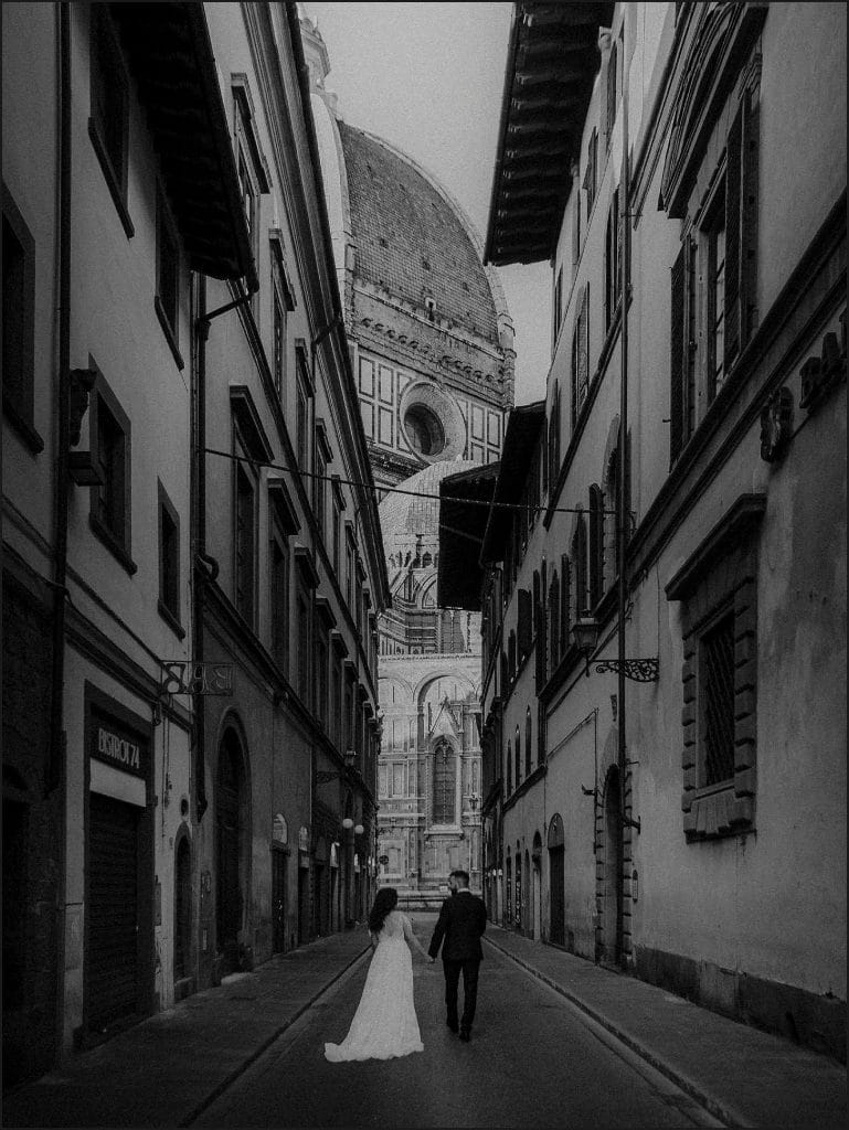 black and white, bride, groom, florence streets, florence. duomo, elopement session, destination wedding photographer