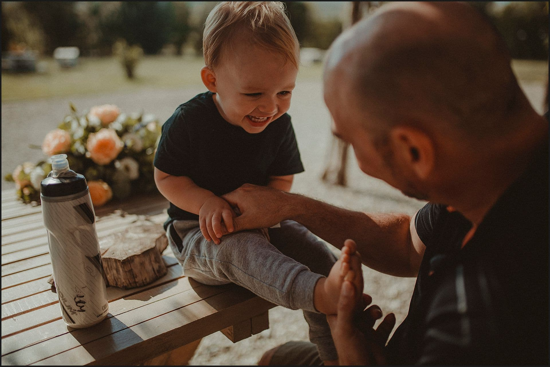 groom, funny moment, son, intimate wedding, tuscany, italy