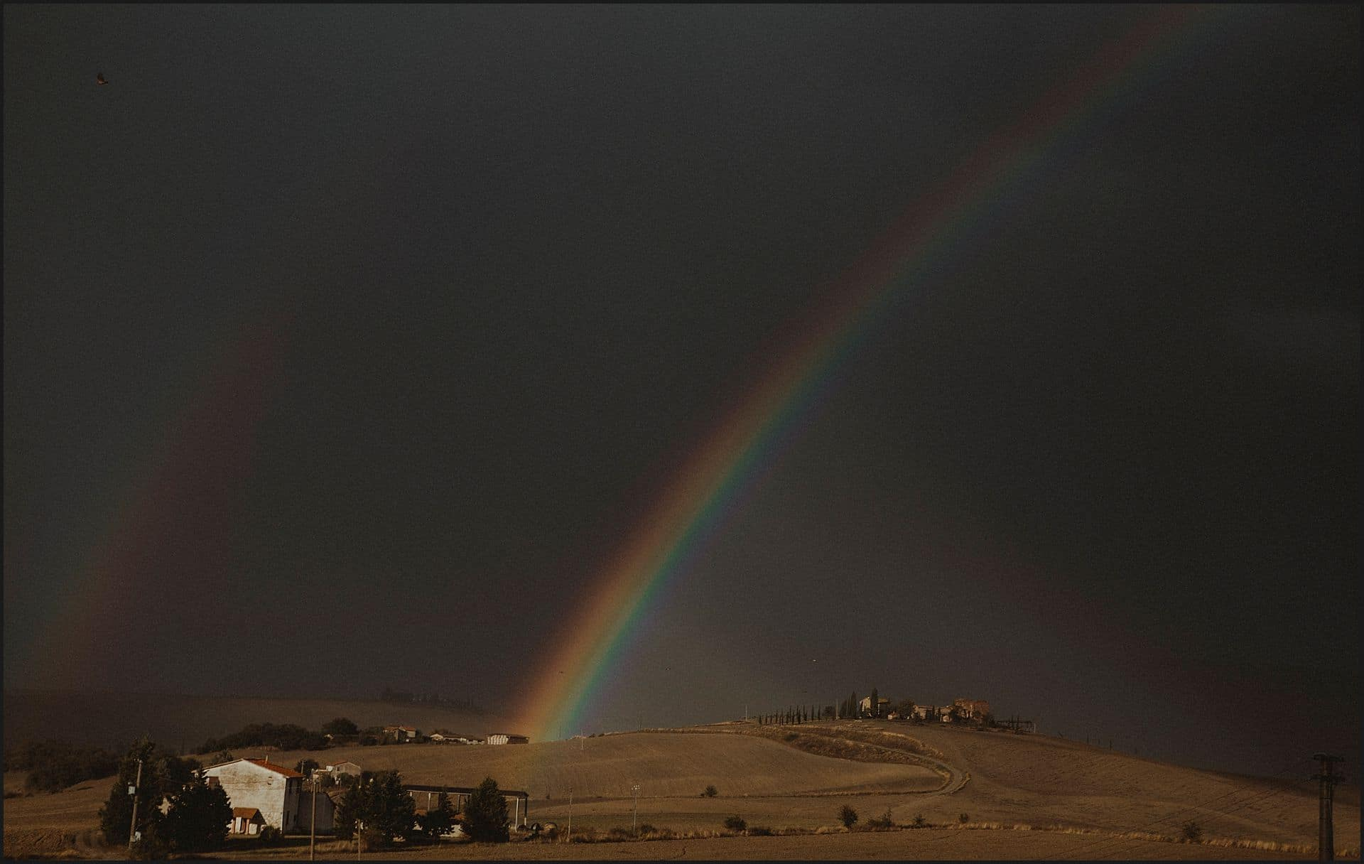rainbow, tuscany view, locanda in tuscany, wedding, elopement