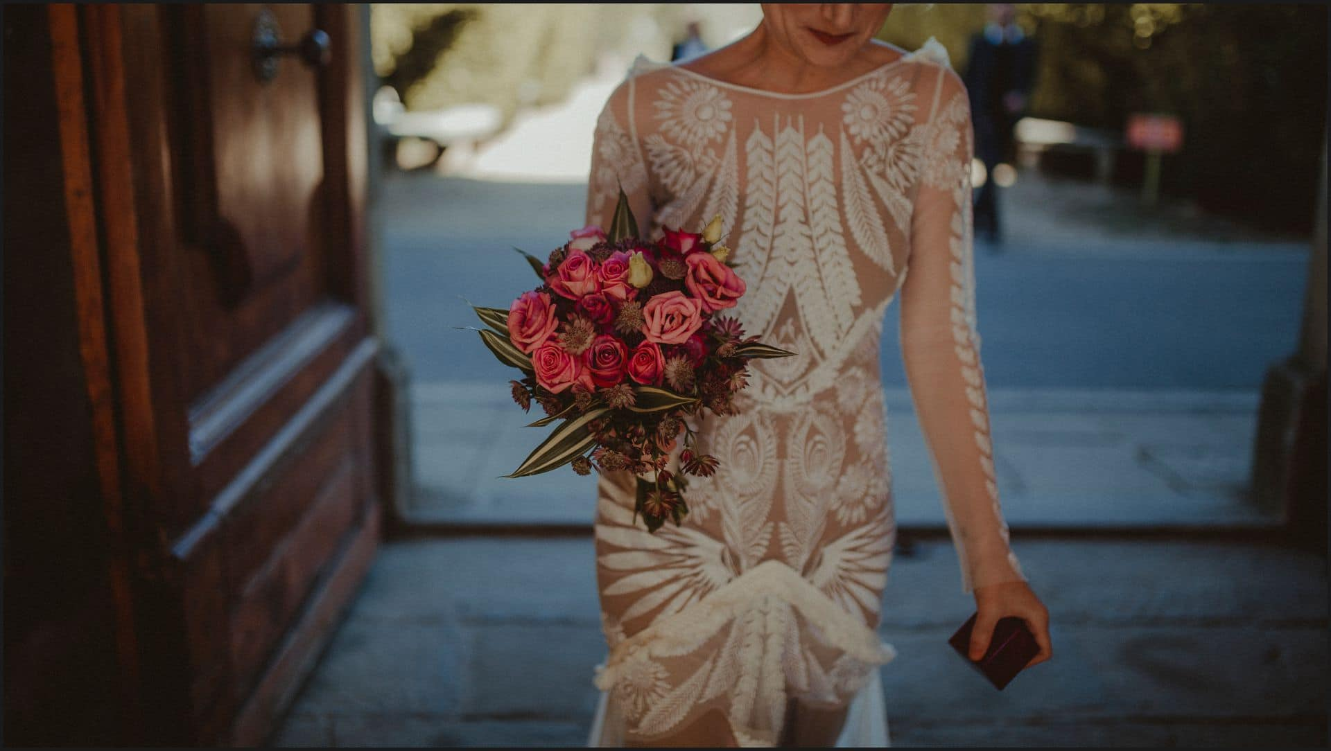 wedding, tuscany, villa medicea di lilliano, bride, dress, flowers