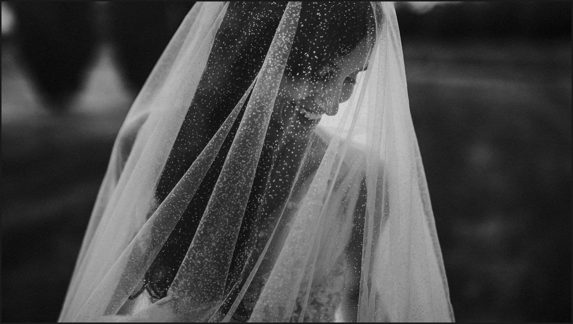 tuscany, wedding, black and white, bride, portrait