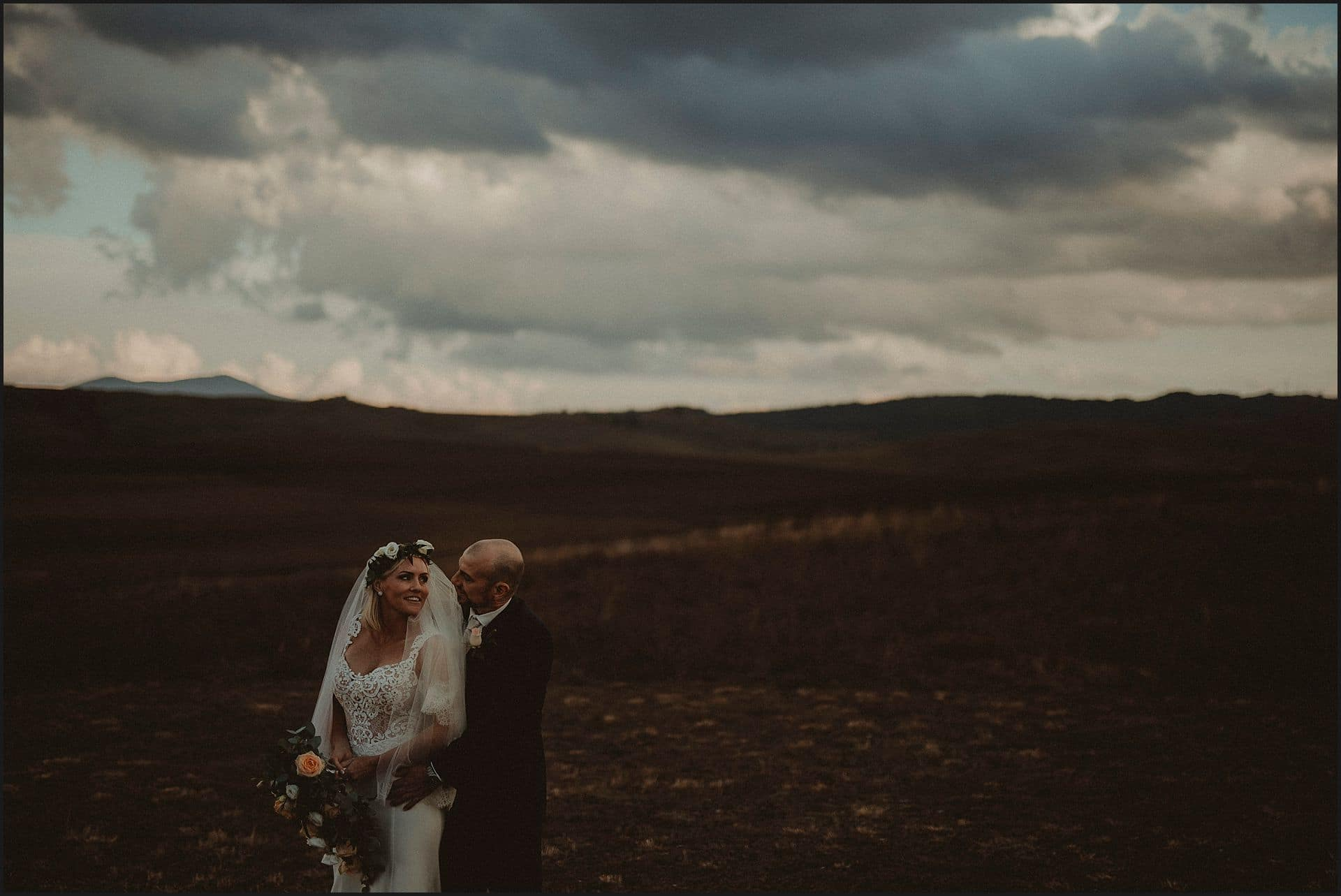 bride, groom, elopement photographer, australian couple, val d'orcia, tuscan view, cloudy day