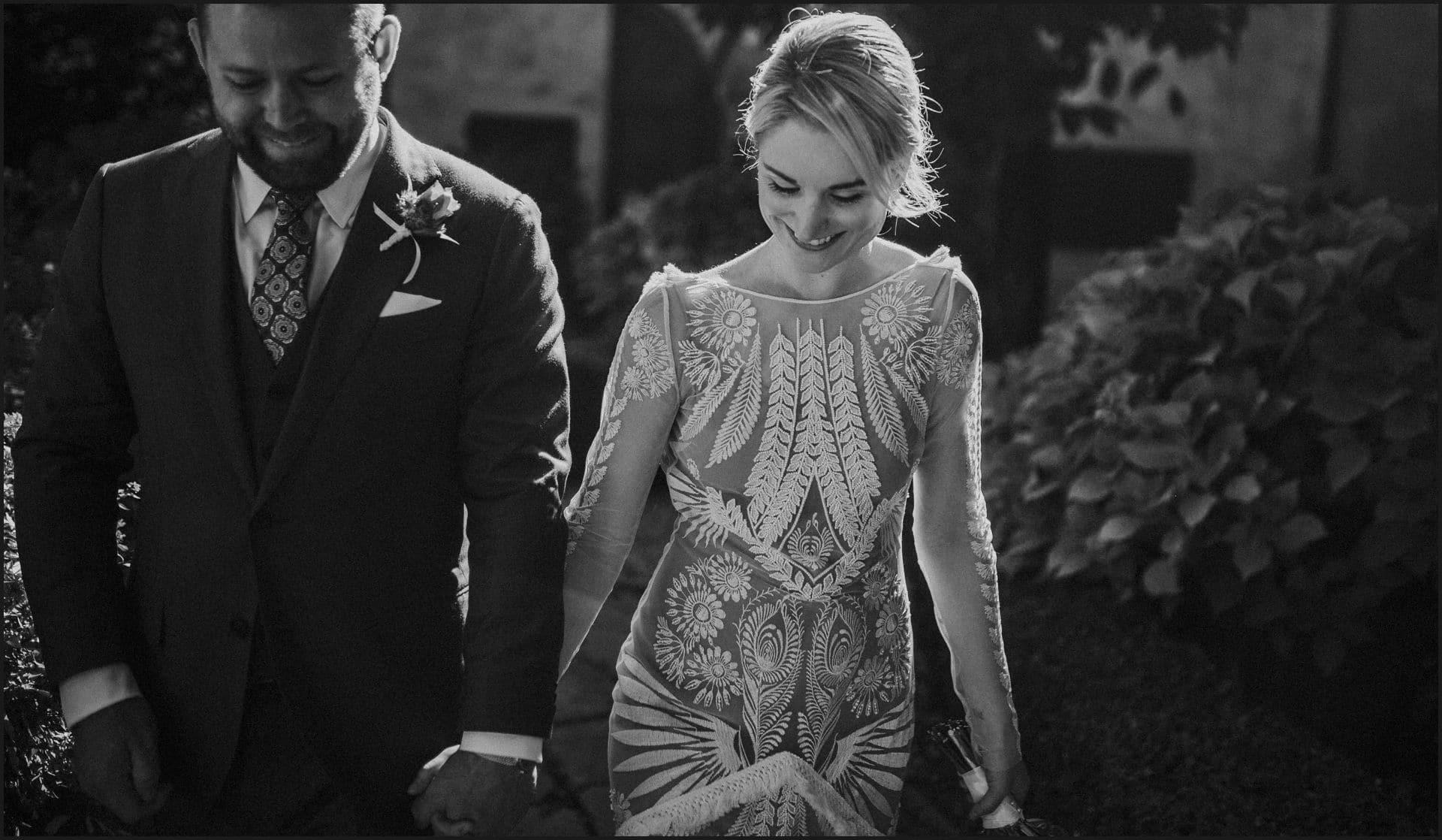 wedding, tuscany, villa medicea di lilliano, elopement wedding, black and white, bride, groom,