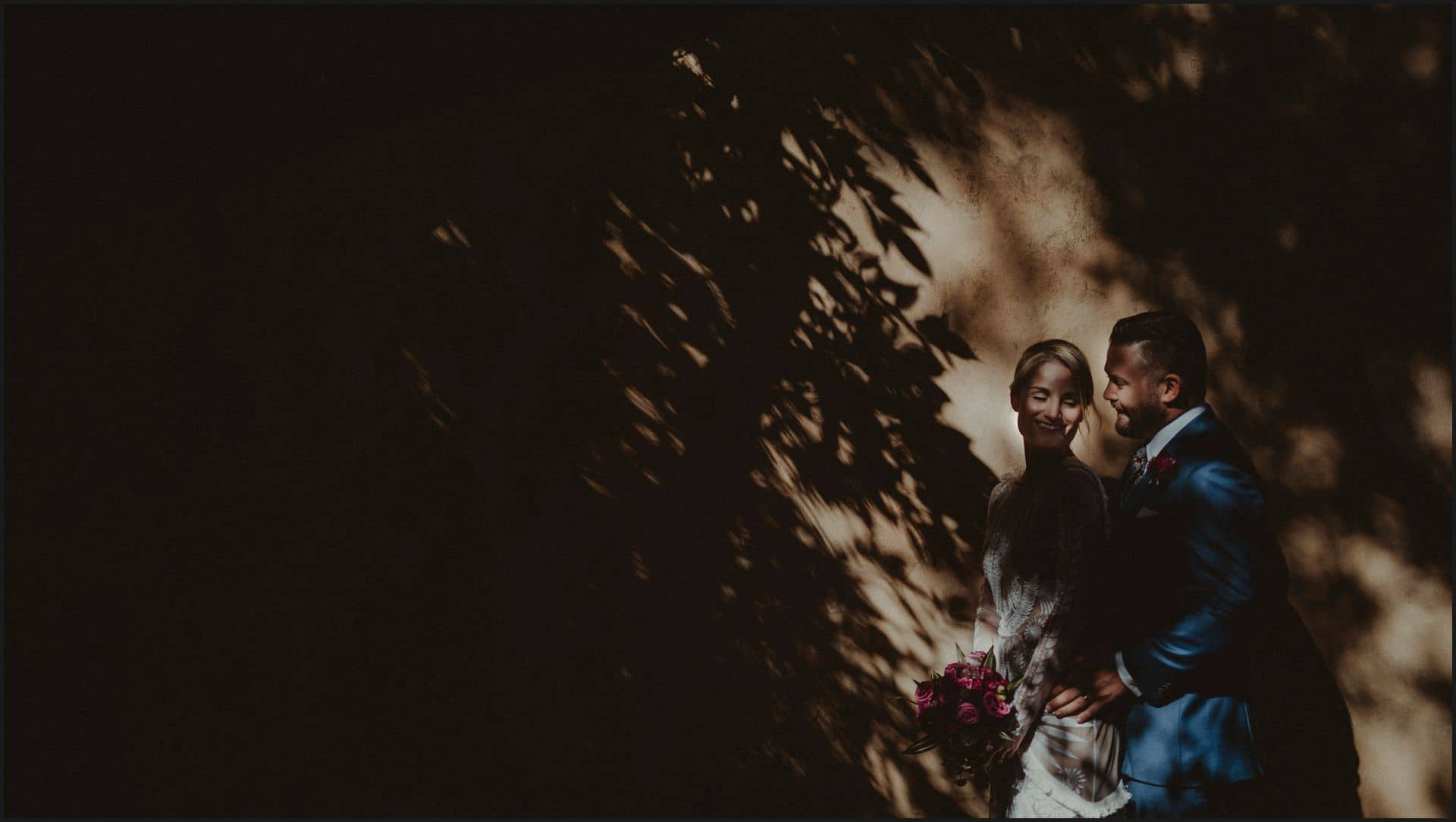 wedding, tuscany, villa medicea di lilliano, elopement wedding, bride, groom, light, creative portrait,