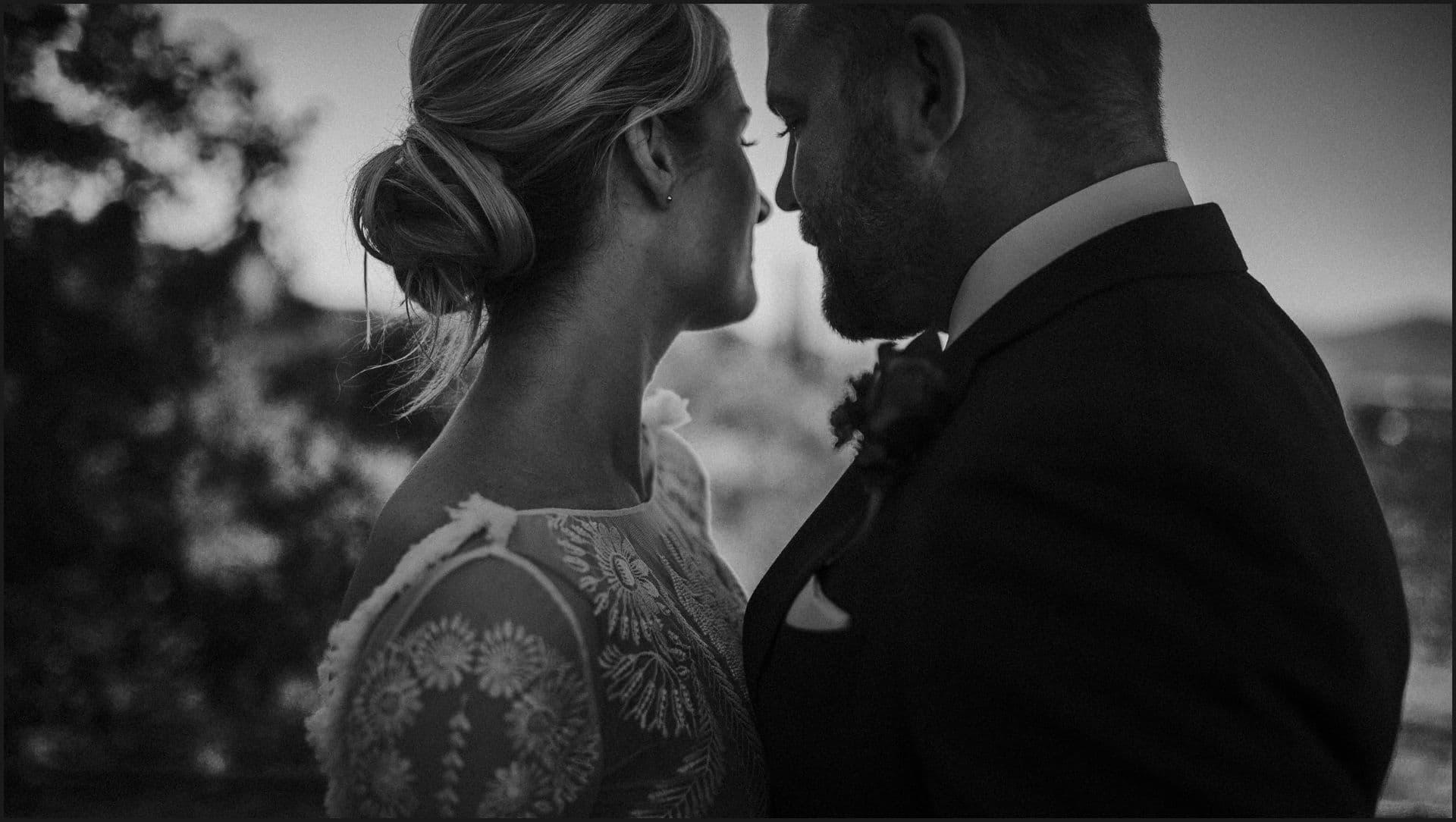 wedding, tuscany, villa medicea di lilliano, elopement wedding, black and white, bride, groom