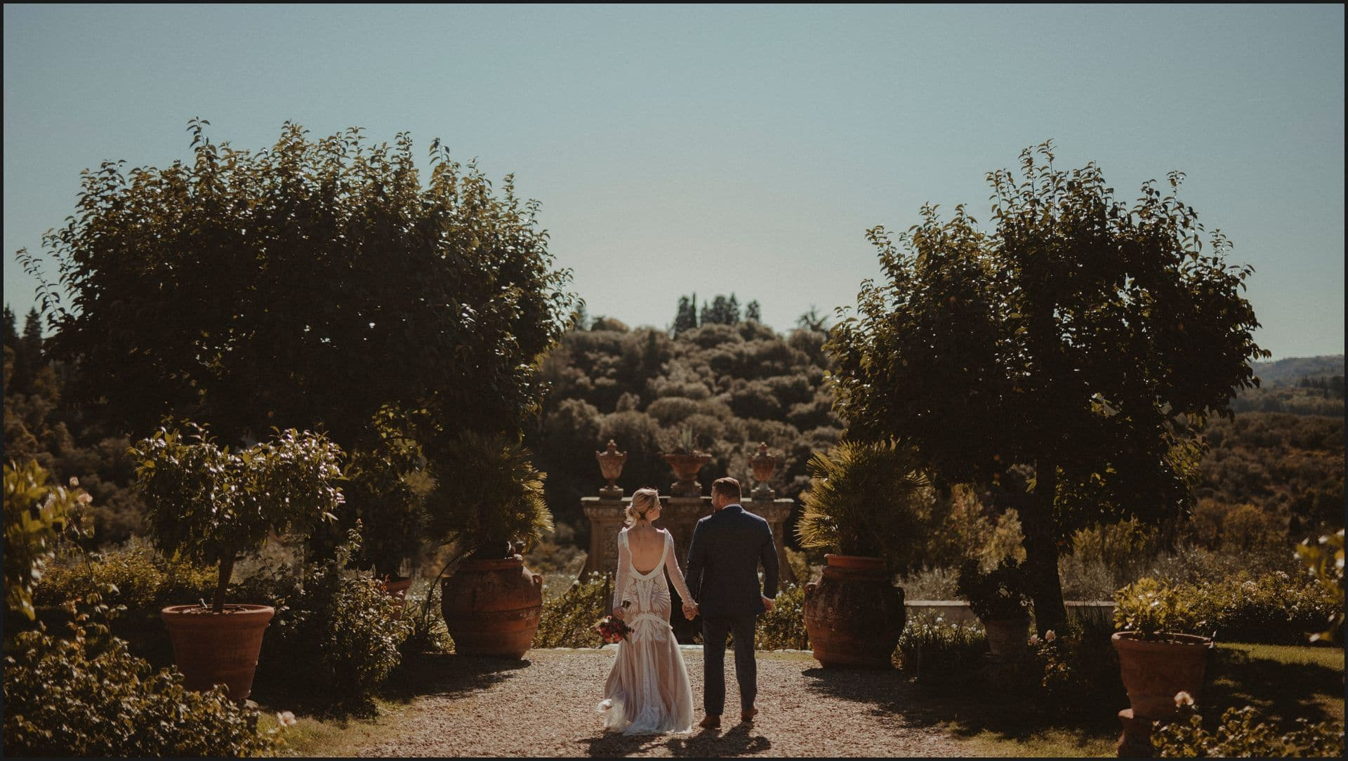 wedding, tuscany, villa medicea di lilliano, elopement wedding, bride, groom, walking