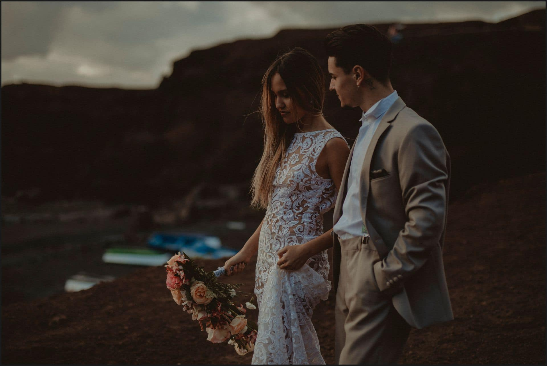 lanzarote, wedding, elopement, bride, groom, vulcan, adventure wedding, walking, el golfo