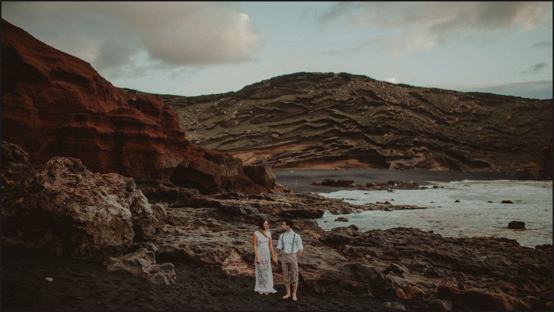 lanzarote, wedding, elopement, bride, groom, adventure wedding, el golfo, beach, ocean