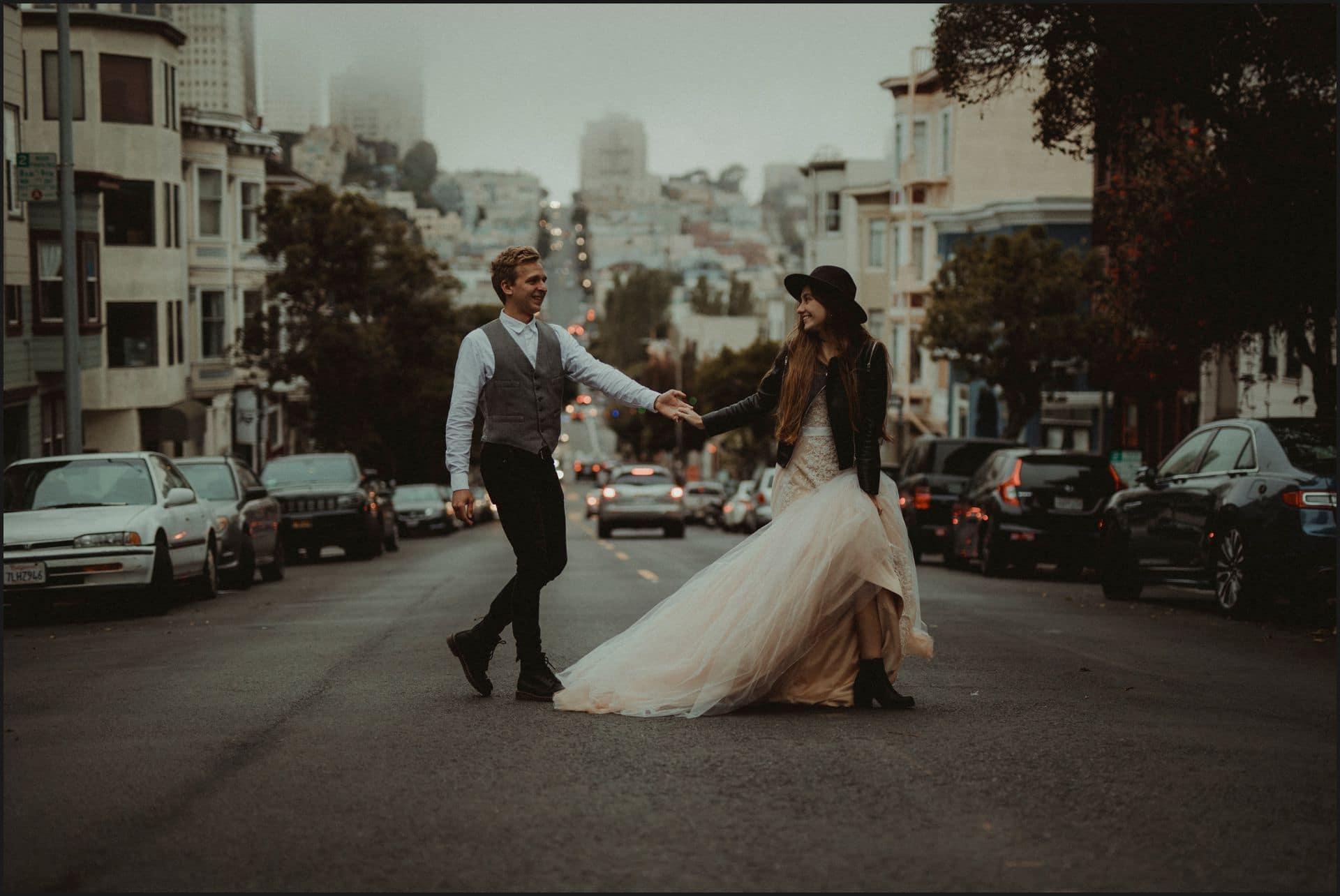 san francisco, california, elopement wedding, road, lombard street, groom, bride