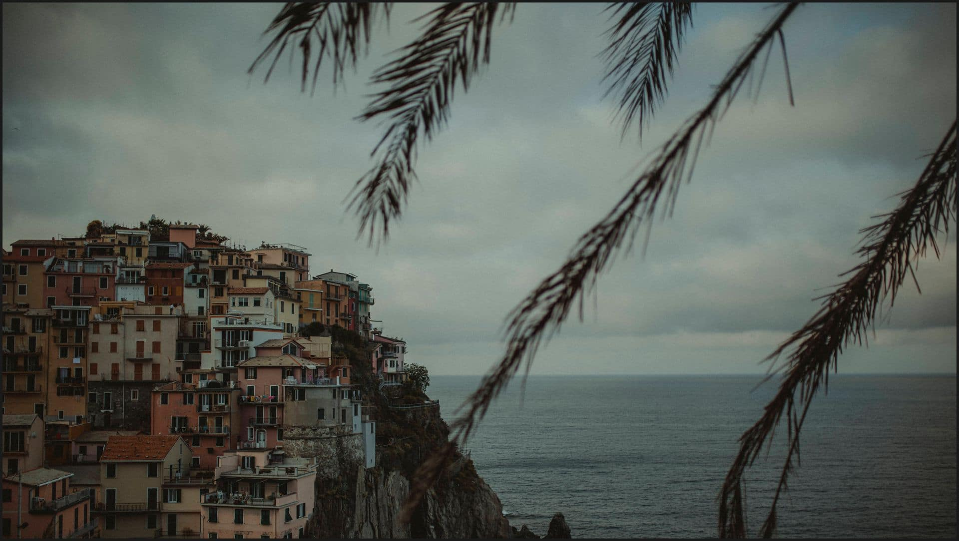 manarola, cinque terre, engagement session, sea, panorama, liguria