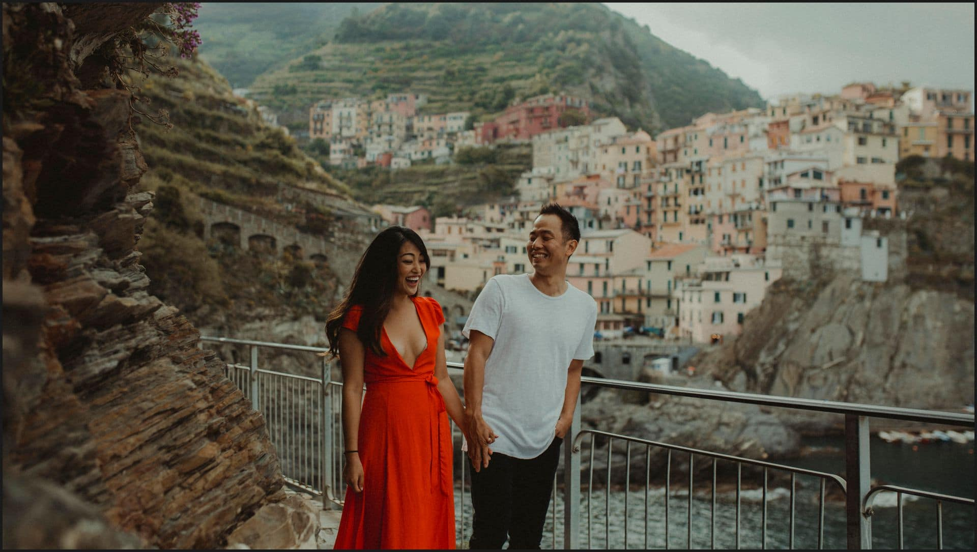 manarola, cinque terre, engagement session, candid picture, boy, girl