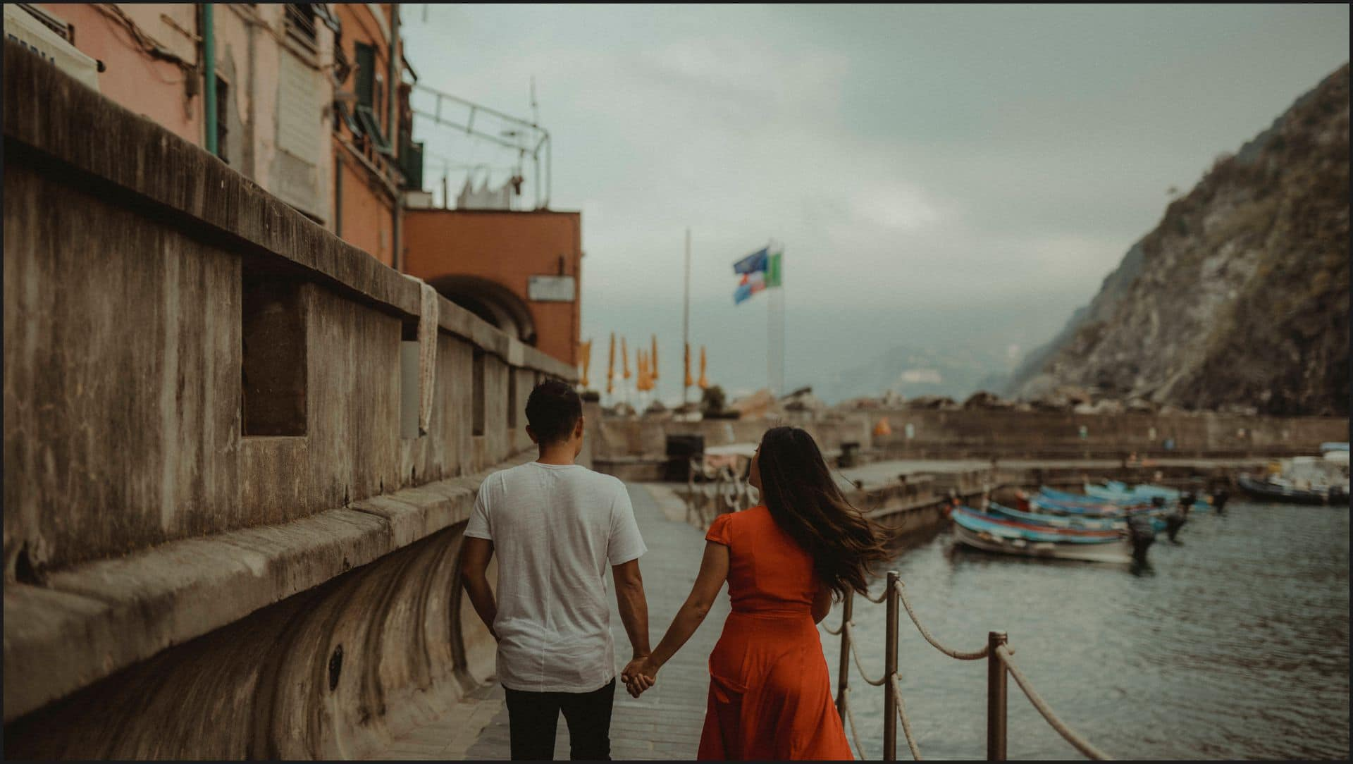 vernazza, cinque terre, engagement session, walking