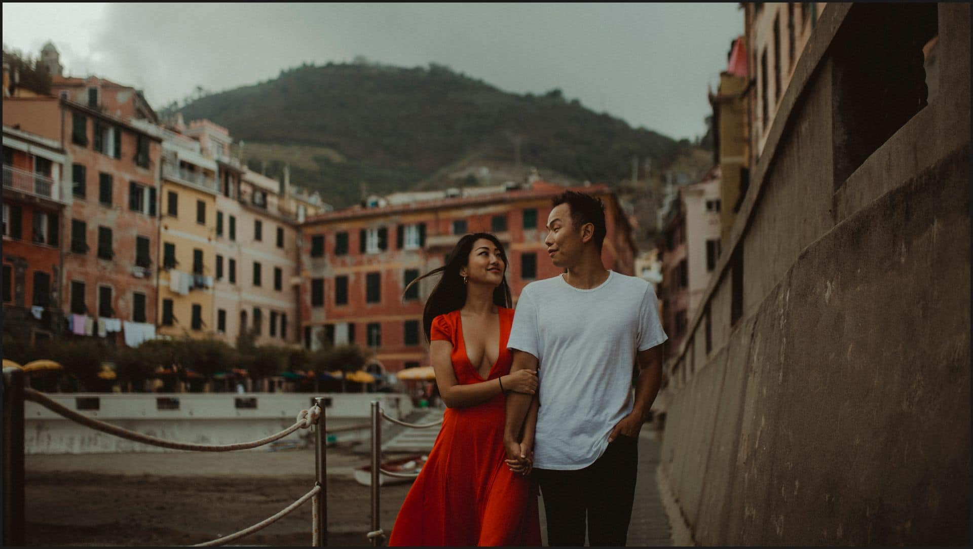 vernazza, cinque terre, engagement session, boy, girl, walking