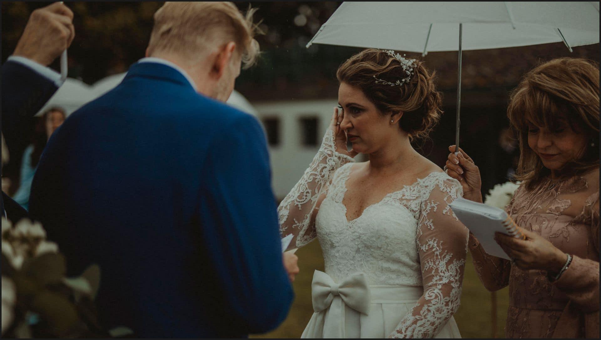 tuscany, destination wedding, chianti, wedding ceremony, bride, cry