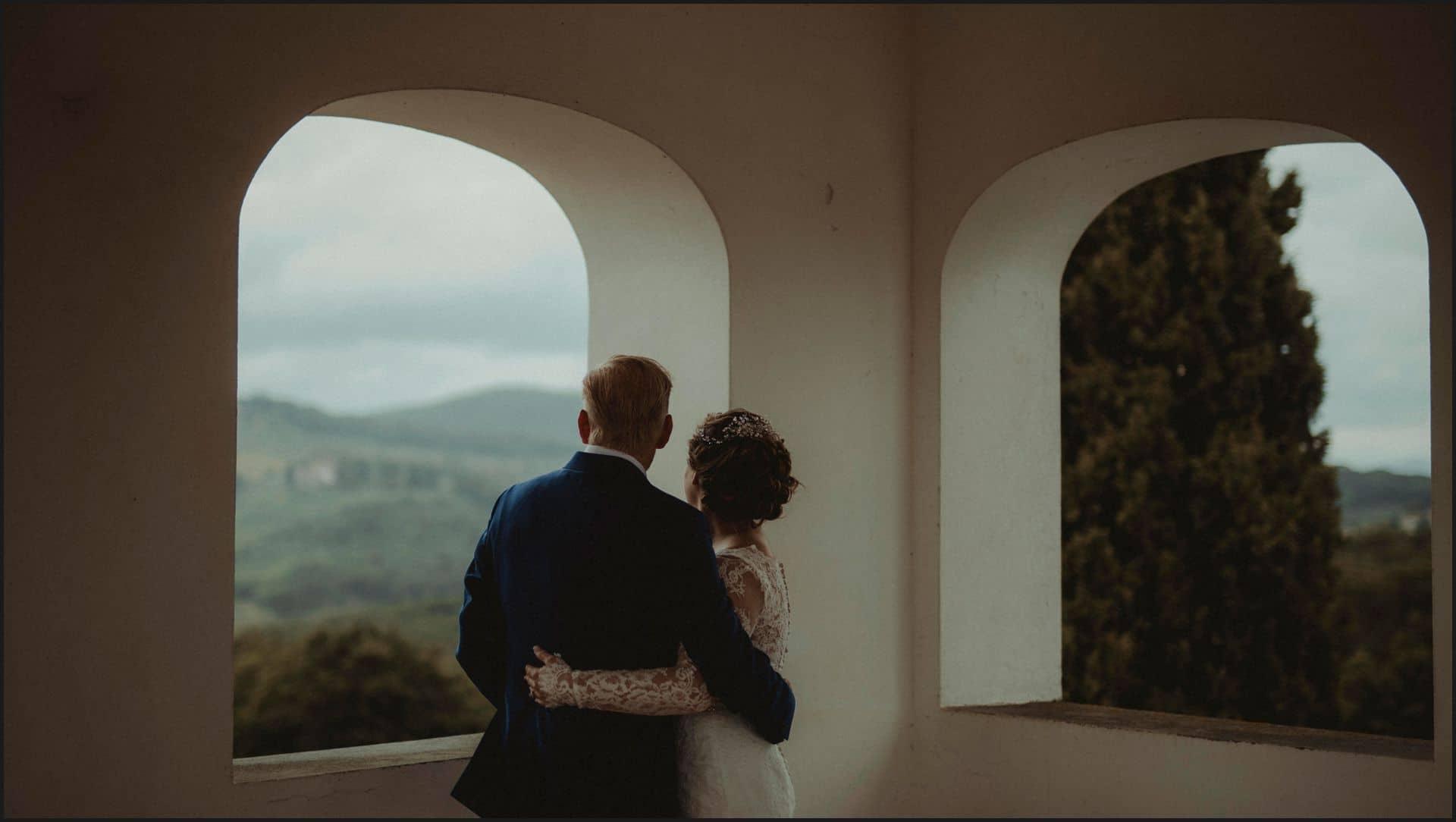 tuscany, destination wedding, chianti, bride, groom, hug