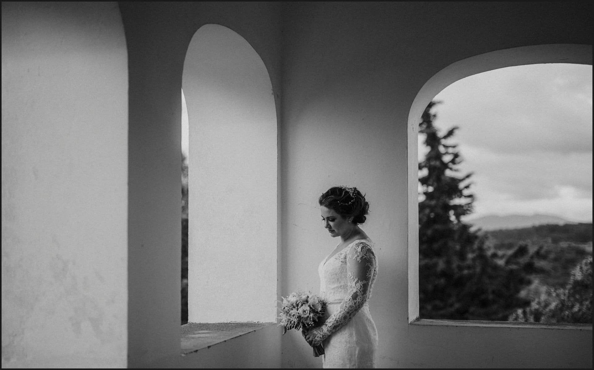 tuscany, destination wedding, chianti, bride, black and white