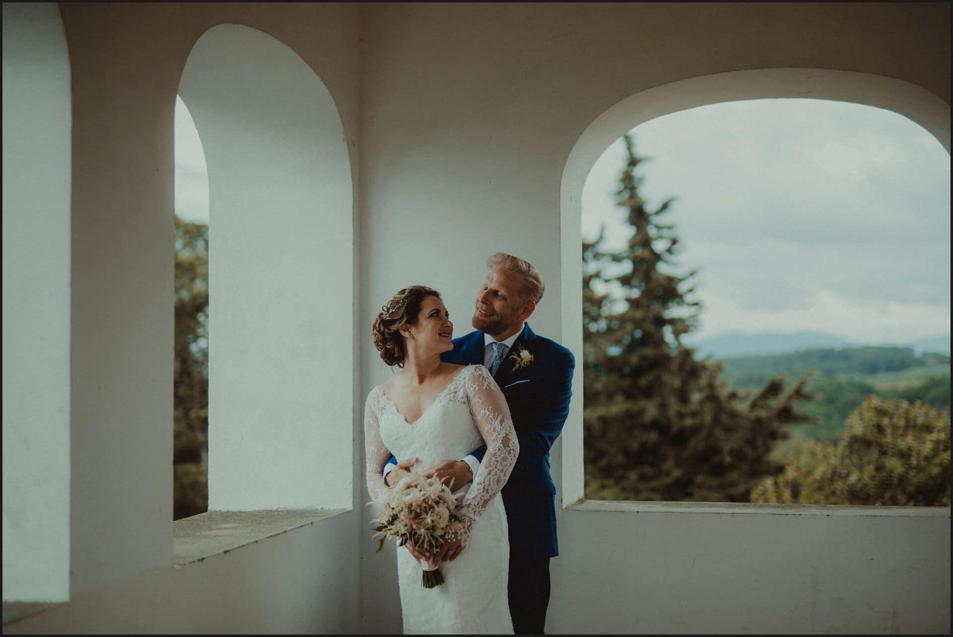 tuscany, destination wedding, chianti, bride, groom, intimate, portrait