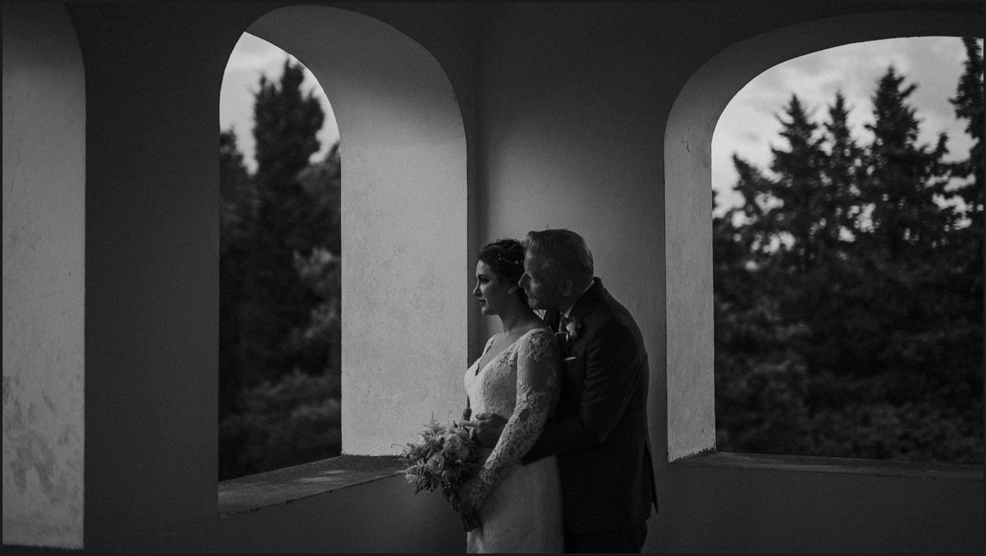 tuscany, destination wedding, chianti, bride, groom, black and white, intimate, couple portrait