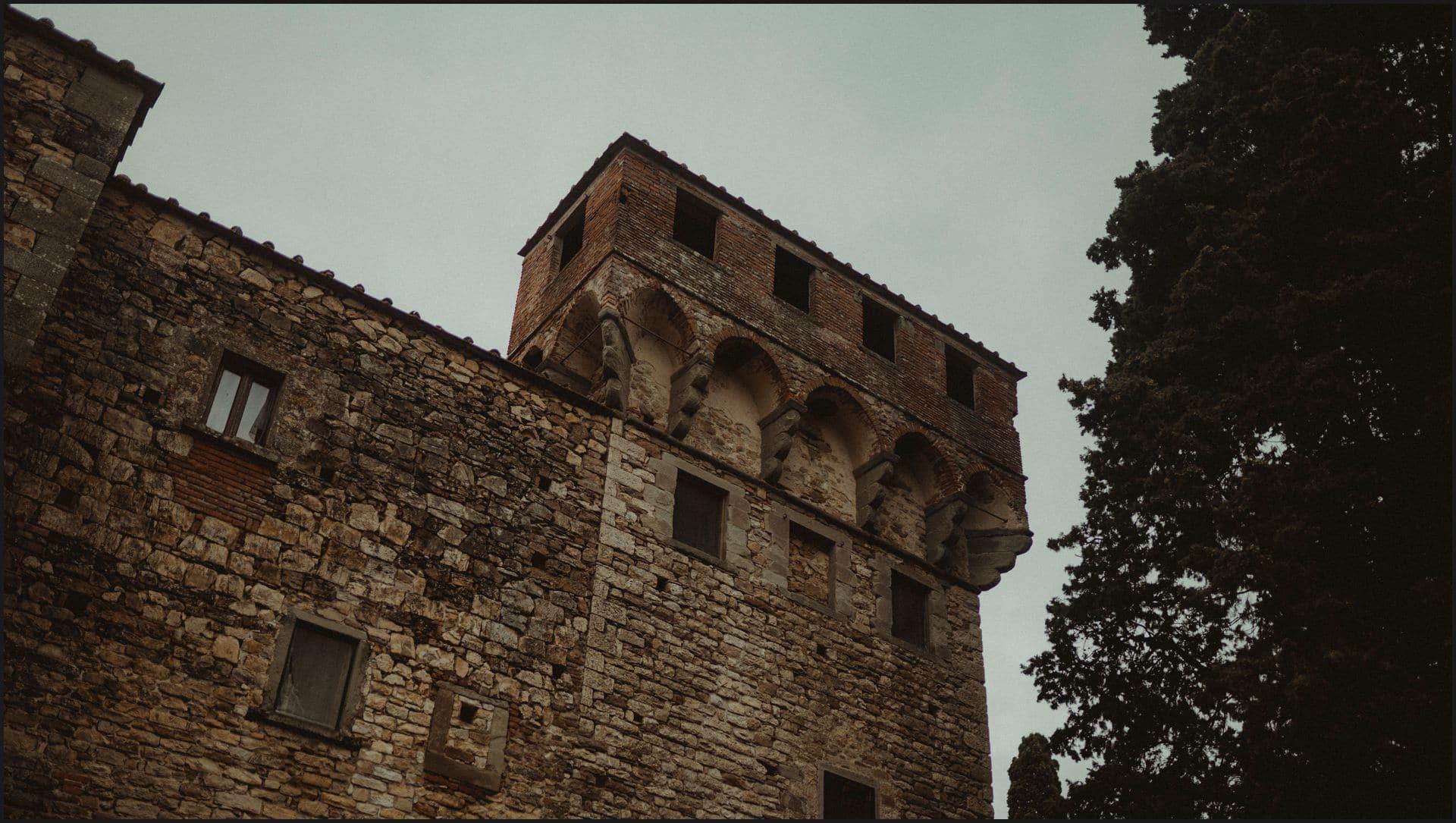 destination wedding, castello del trebbio, tuscany, castle, medieval