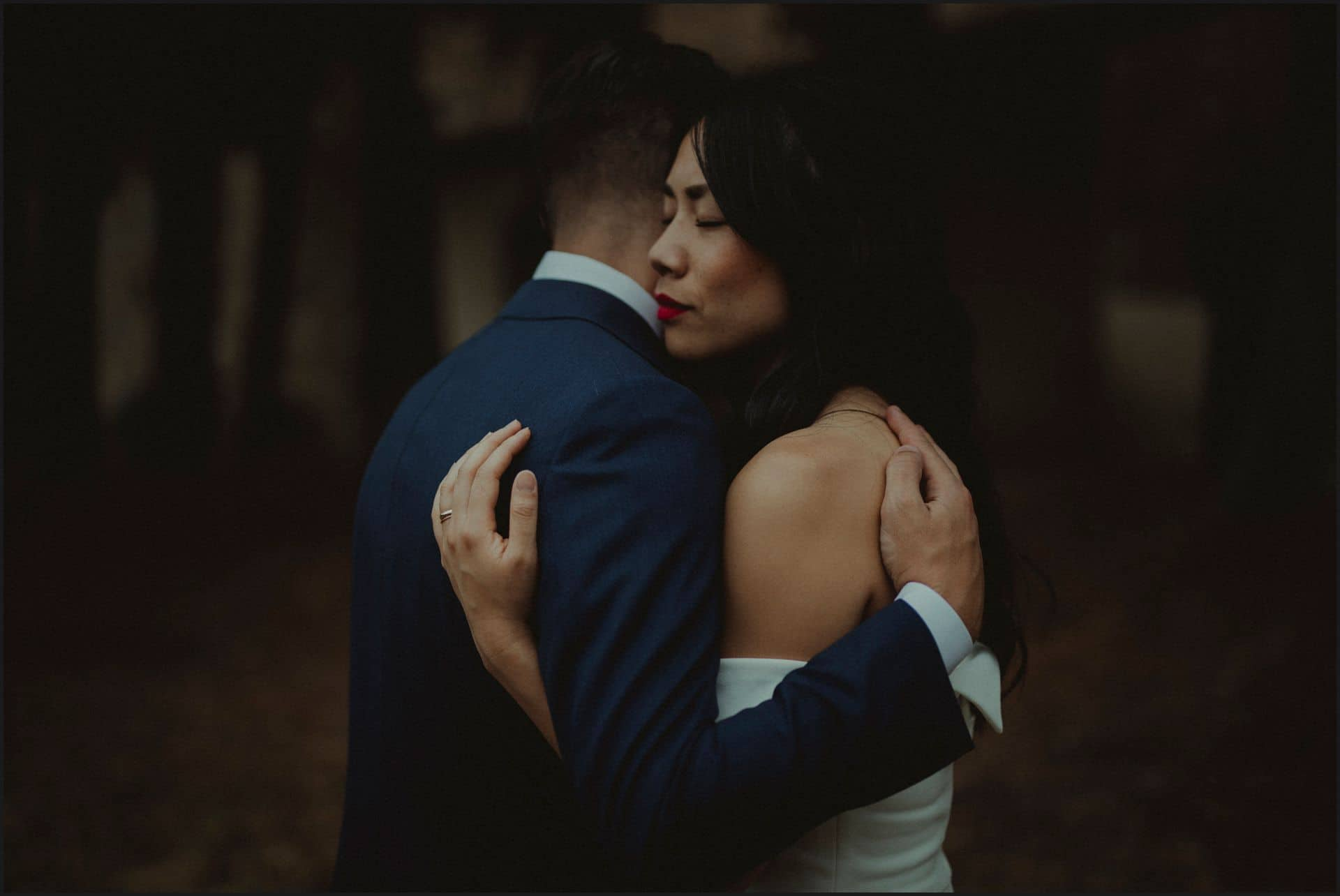 destination wedding, castello del trebbio, tuscany, bride, groom, romantic, hug
